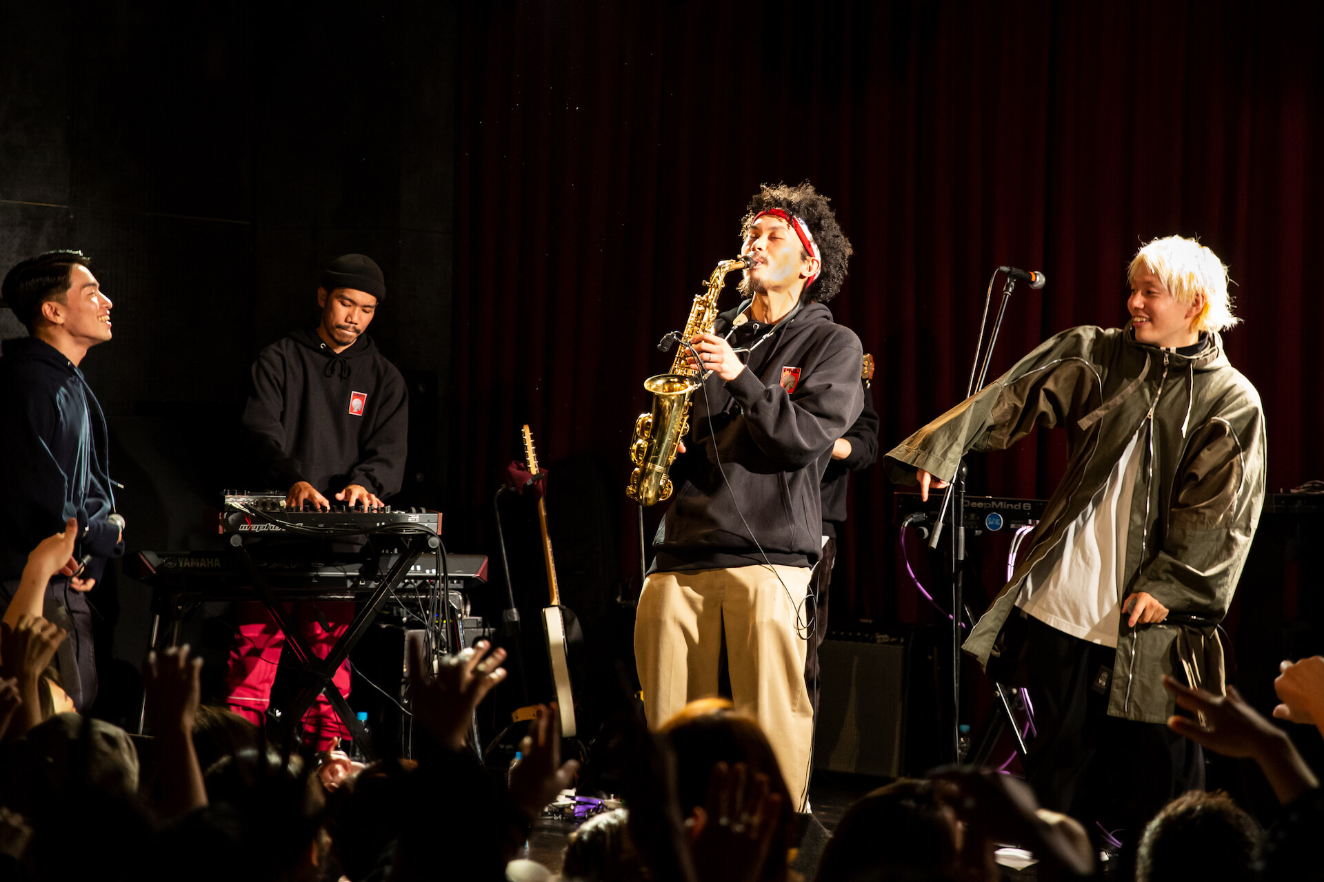 SIRUP擁する次世代アートコレクティブ・Soulflex、初のワンマンライブで地元大阪を魅了|ビルボードライブでのShin Sakiuraとのツーマンライブも発表 music_191220_soulflex5