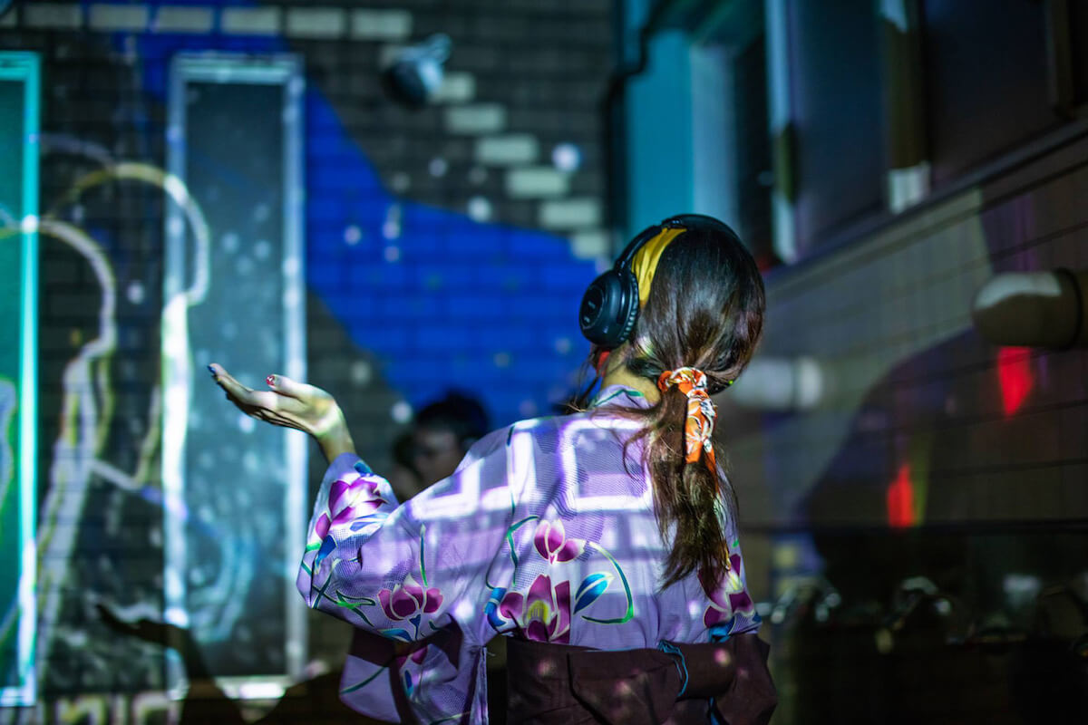 アフロとお風呂で踊る「ダンス亜風呂屋」が渋谷改良湯で開催決定 music190110_afronohi_01