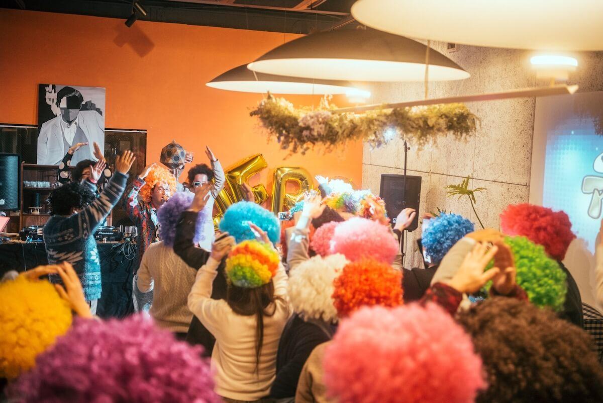 アフロとお風呂で踊る「ダンス亜風呂屋」が渋谷改良湯で開催決定 music190110_afronohi_02
