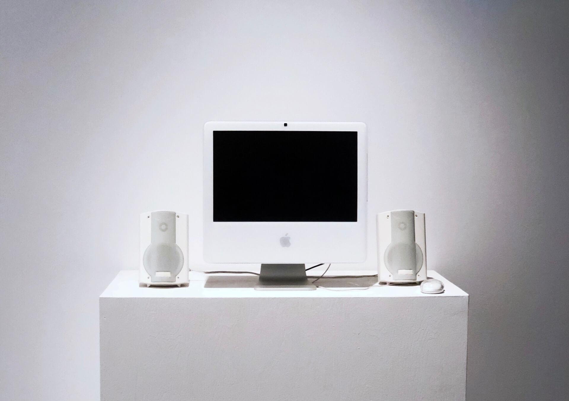 14年前の17インチiMacがAppleのオンラインストアで販売されるバグが発生? tech200114_imac_main