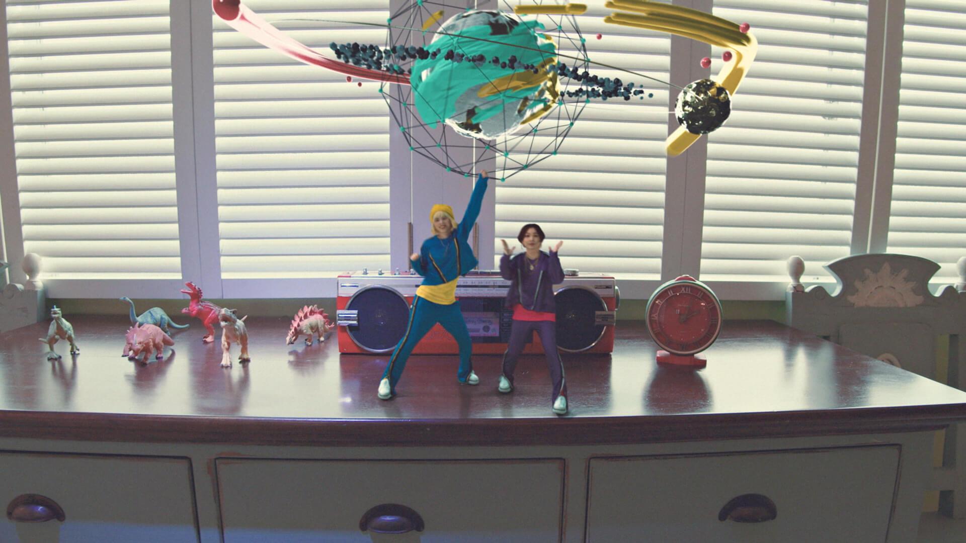 chelmico、アニメ『映像研には手を出すな!』主題歌「Easy Breezy」のMVを公開 music200119_chelmico_1