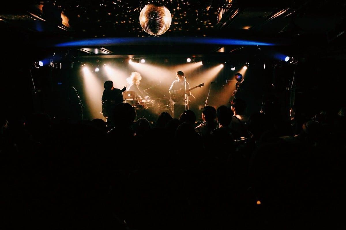 ravenkneeリリースパーティーレポ|東京インディー・シーンを変える夜 music190130_ravenknee_03-1200x799