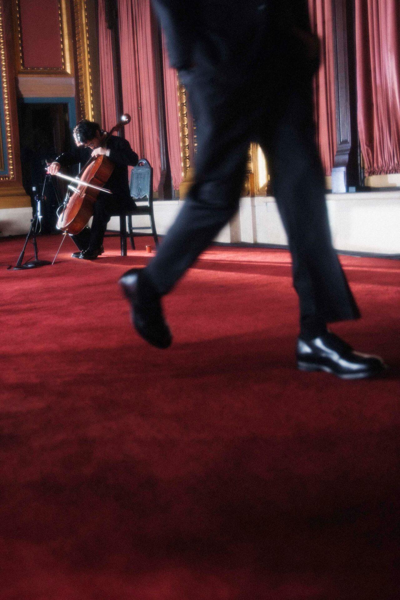 King Gnu常田大希、ニューヨークで開催されたN.HOOLYWOODのコレクションでチェロを生披露 music200205_tsunetadaiki_6