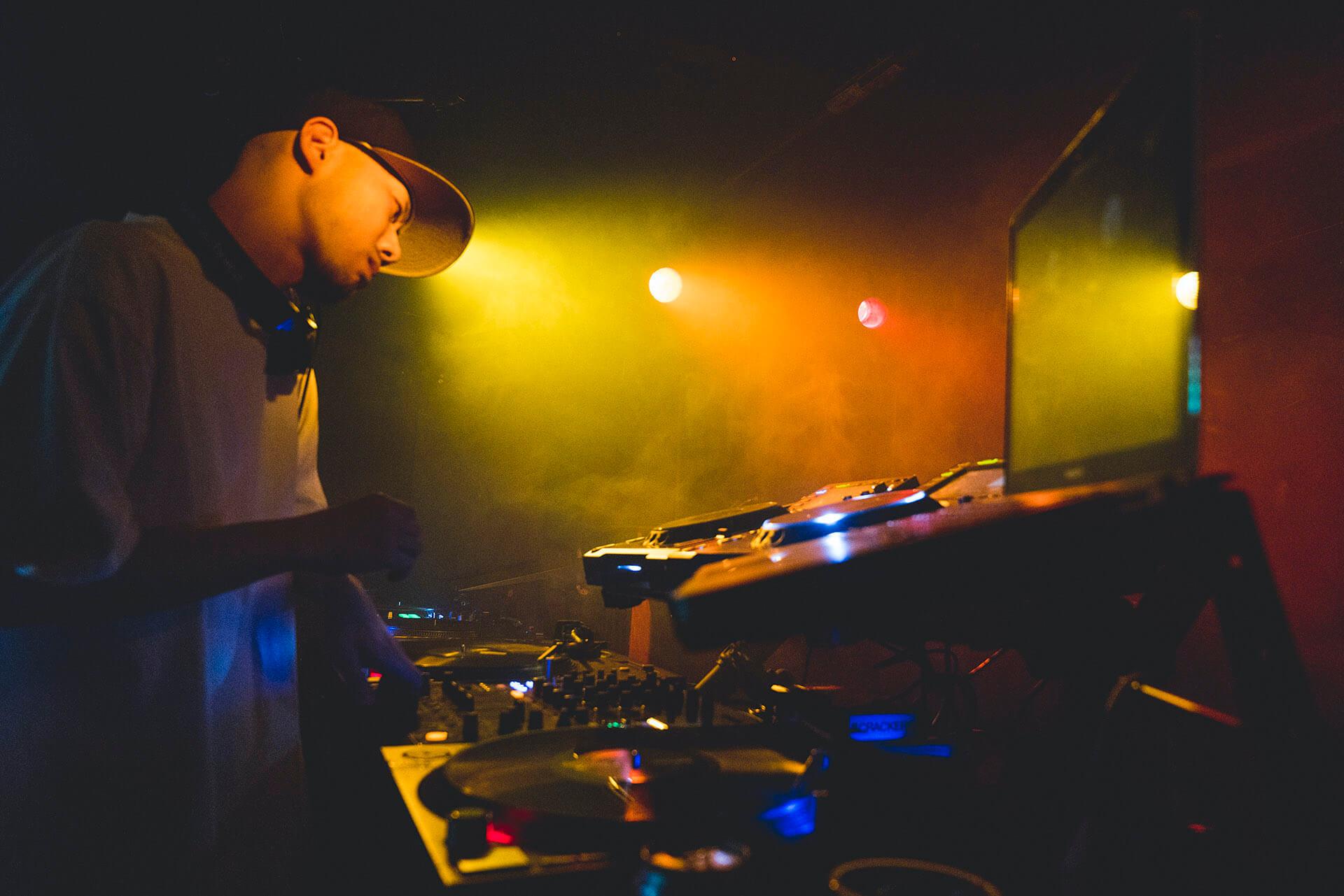 ISSUGIの変名16FLIPとGeorgia Anne Muldrowのコラボ曲が7EPで限定リリース!DJ SCRATCH NICEによるリミックスも収録 music200206_16flip7ep_1