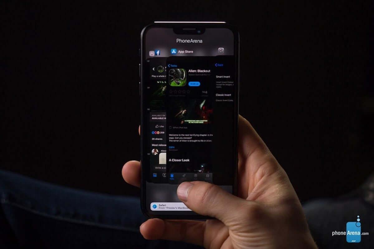 噂の最新モデル・iPhoneXIにiOS13のダークモードを使用すると......? 190207_iphonex1_4-min-1200x800