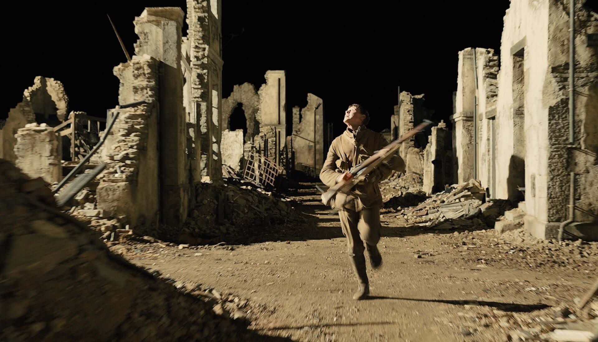 『1917 命をかけた伝令』照明で物語を語る!?アカデミー賞受賞の撮影監督ロジャー・ディーキンスが手掛けた神秘的な映像が解禁 film200212_1917_1-1920x1100