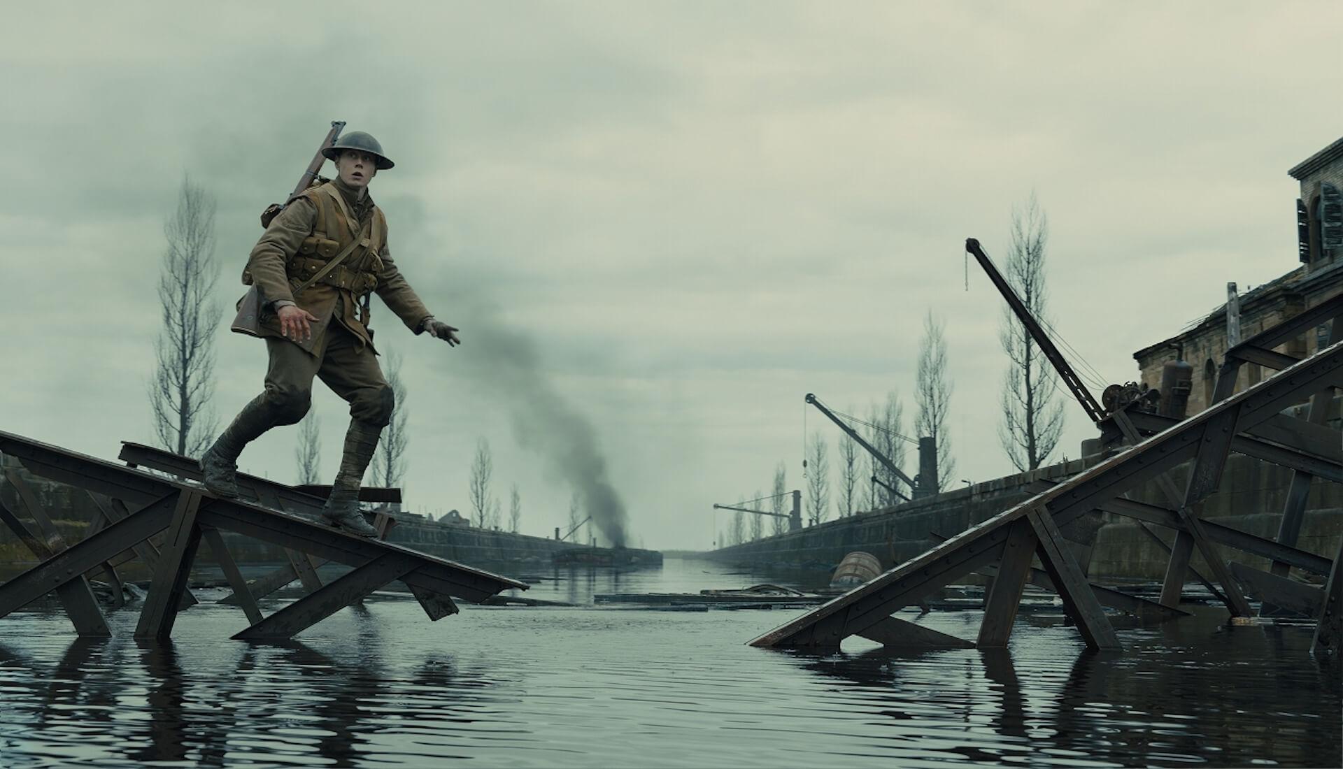 『1917 命をかけた伝令』でアカデミー賞を受賞したロジャー・ディーキンスと監督サム・メンデスが語るワンカット撮影のこだわりとは? film200220_1917maiking_13