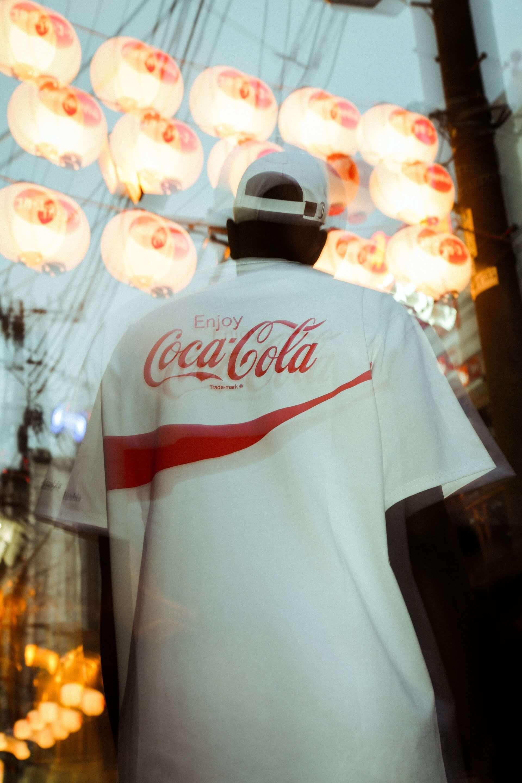 ATMOS LAB×Coca-Cola×Columbiaのトリプルコラボが実現!国際的総柄デザインのナイロンジャケットやウエストバッグが発売決定 life200226_atmos_10-1920x2880