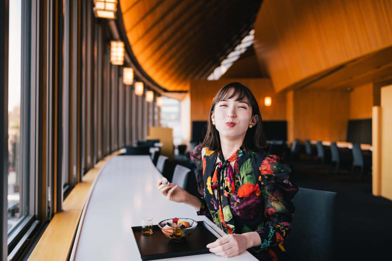 斉藤アリスと行くとらや 赤坂店、吉野ヒノキで魅せる伝統とモダニズム 7-1440x958