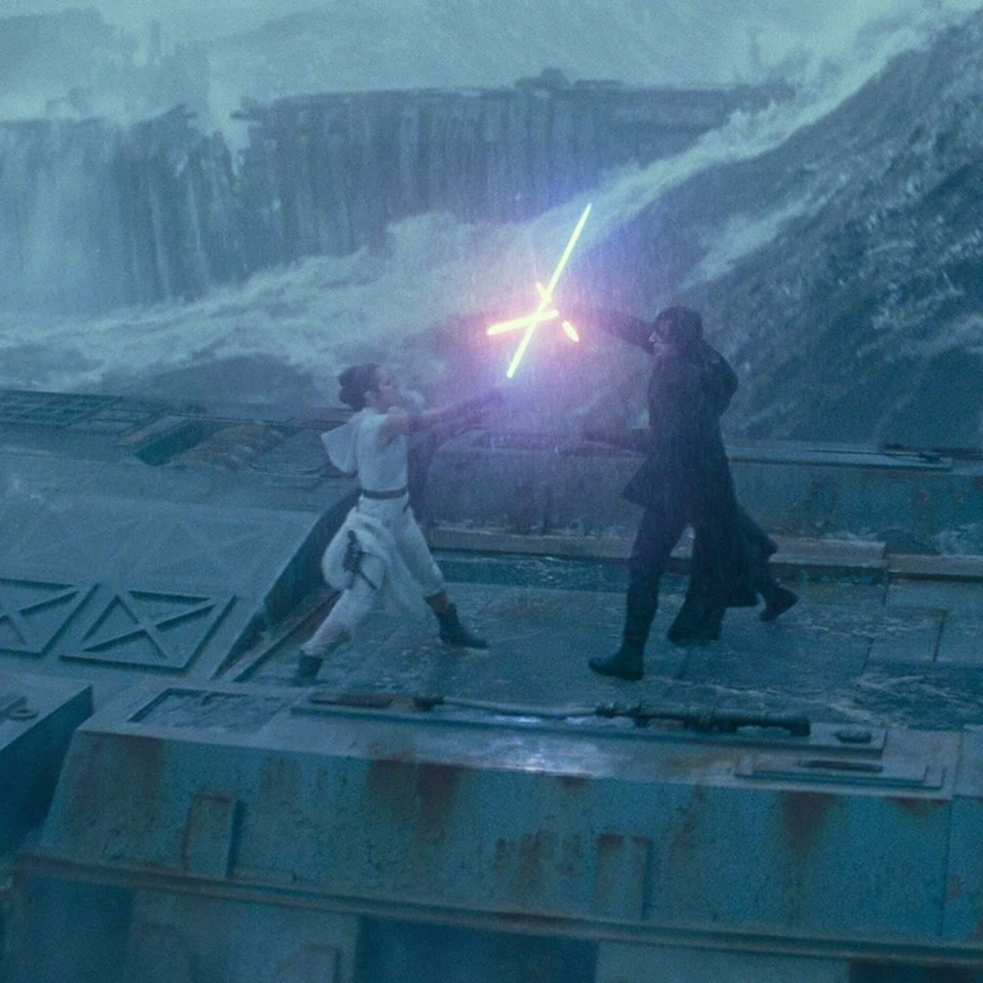 『スター・ウォーズ/スカイウォーカーの夜明け』のレイとベン・ソロのラストシーンに関する新事実が発覚 film200305_starwars_rey_ben_main