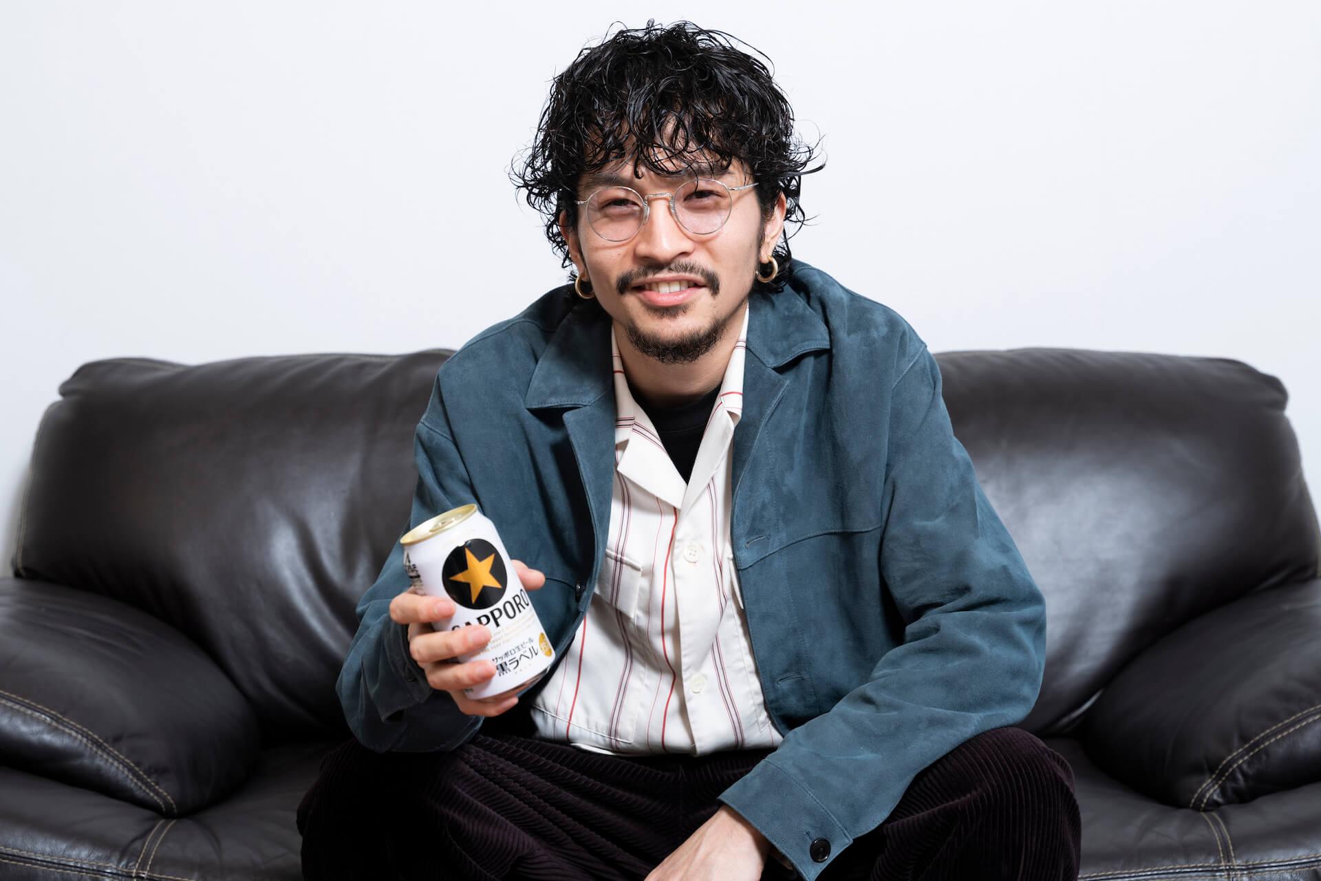 King Gnu常田大希が語る大人とは?サッポロ生ビール黒ラベルのCM「大人エレベーター」に登場! gourmet200327_sapporo_tsuneda_31