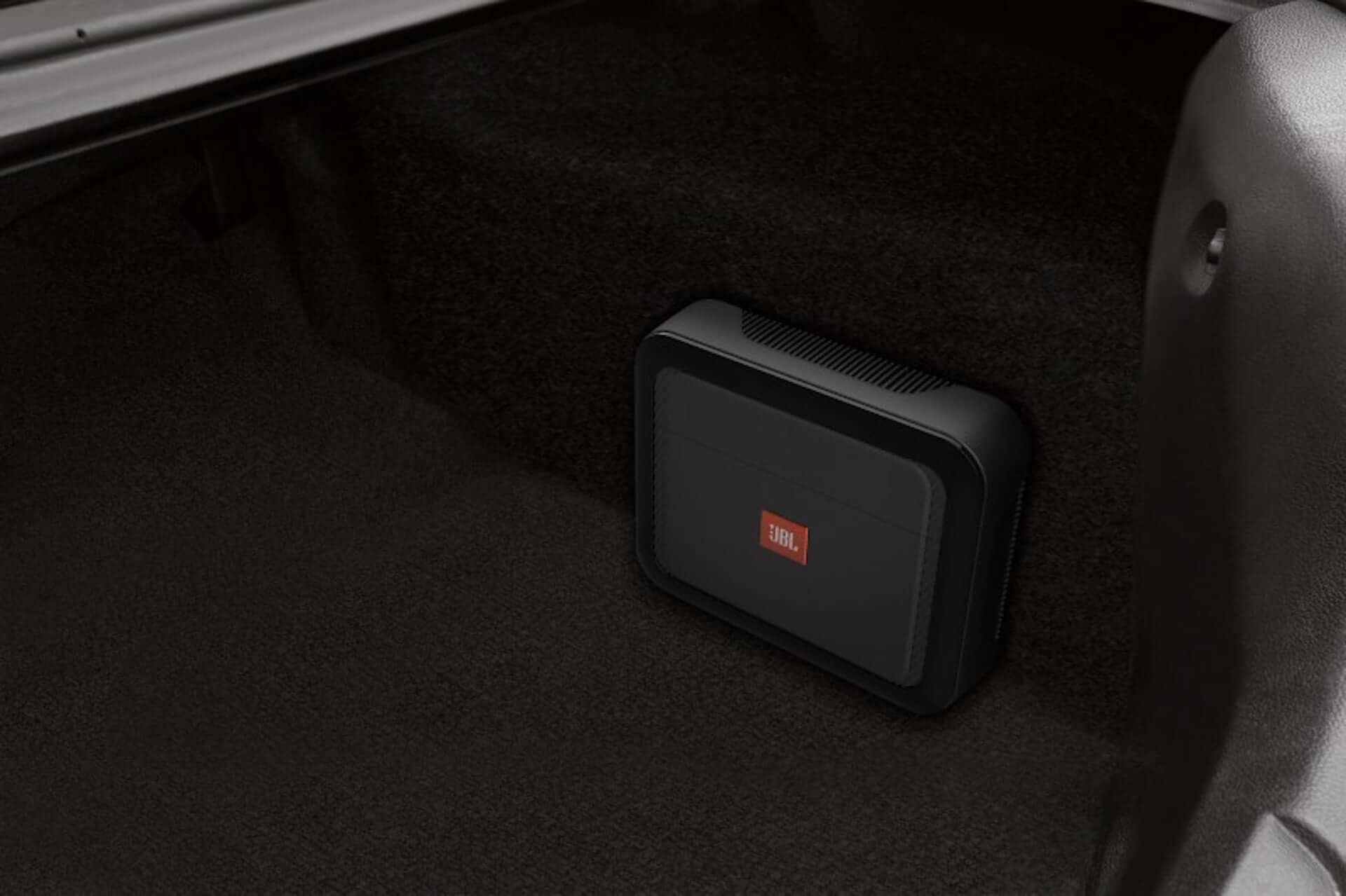 JBLのモバイルアンプでカーオーディオを手軽にアップグレード!「CLUB」シリーズから新モデルが発売決定 tech200327_jbl_club_3-1920x1279