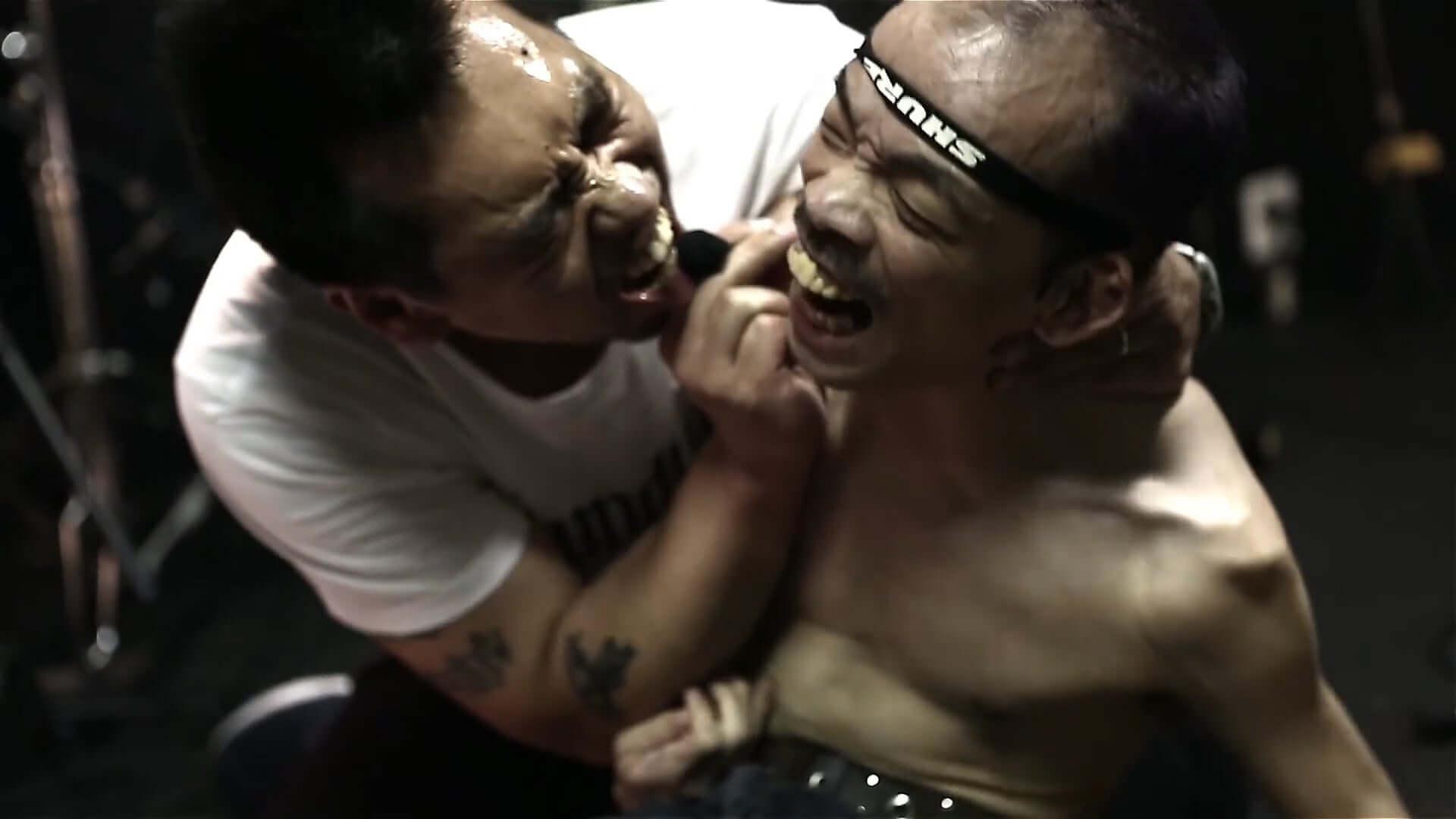 孤高のインディ・レーベル〈Less Than TV〉に密着したドキュメンタリー映画『MOTHERFUCKER』が期間限定で無料配信決定! film200410_motherfucker_3-1920x1080
