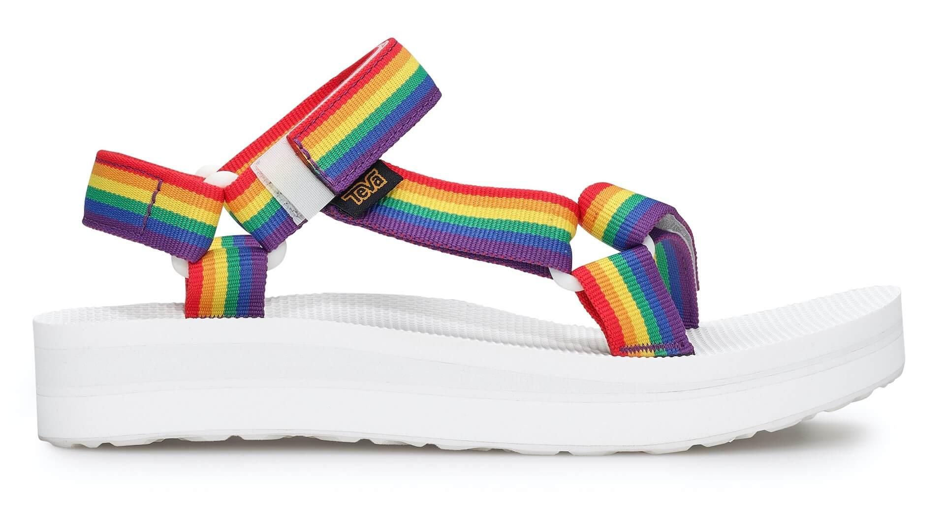 Tevaから、LGBTQ+支援団体「It Gets Better Project」記念サンダル登場!レインボーカラーの2種類 lf200421_teva_universal_14