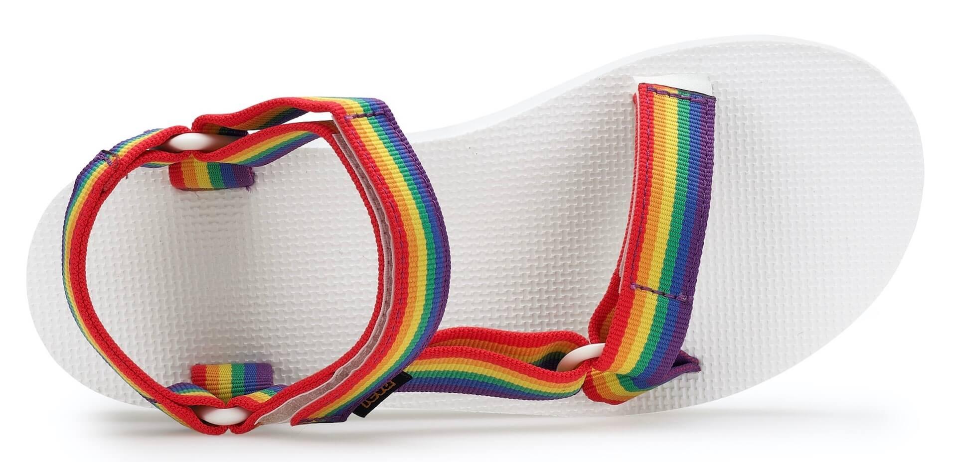 Tevaから、LGBTQ+支援団体「It Gets Better Project」記念サンダル登場!レインボーカラーの2種類 lf200421_teva_universal_17