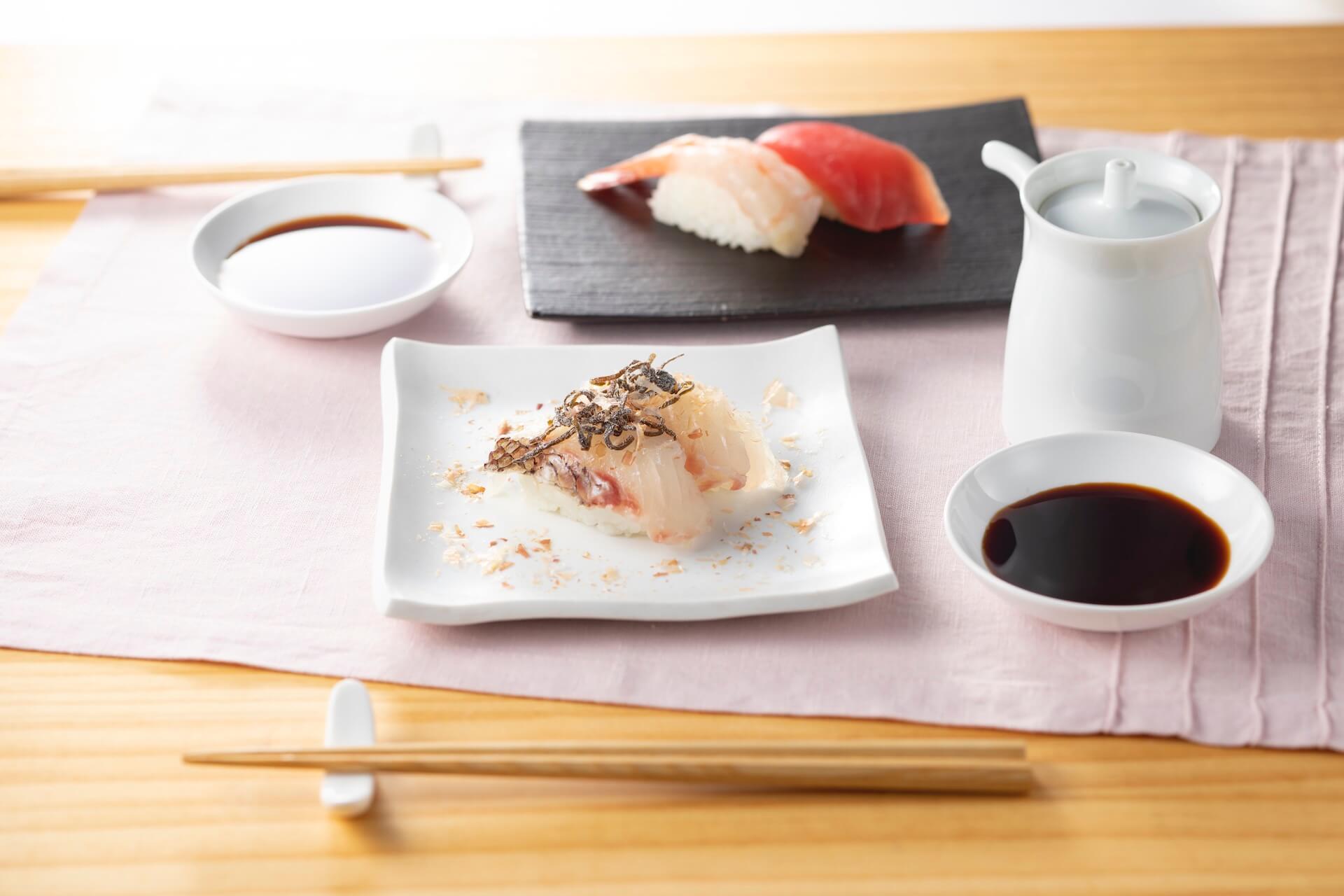 おうちで手作りはま寿司を楽しもう!人気・贅沢ネタ11種としゃり30貫がセットになった「おうちではま寿司セット」が登場 gourmet_200424_hamazushi_05