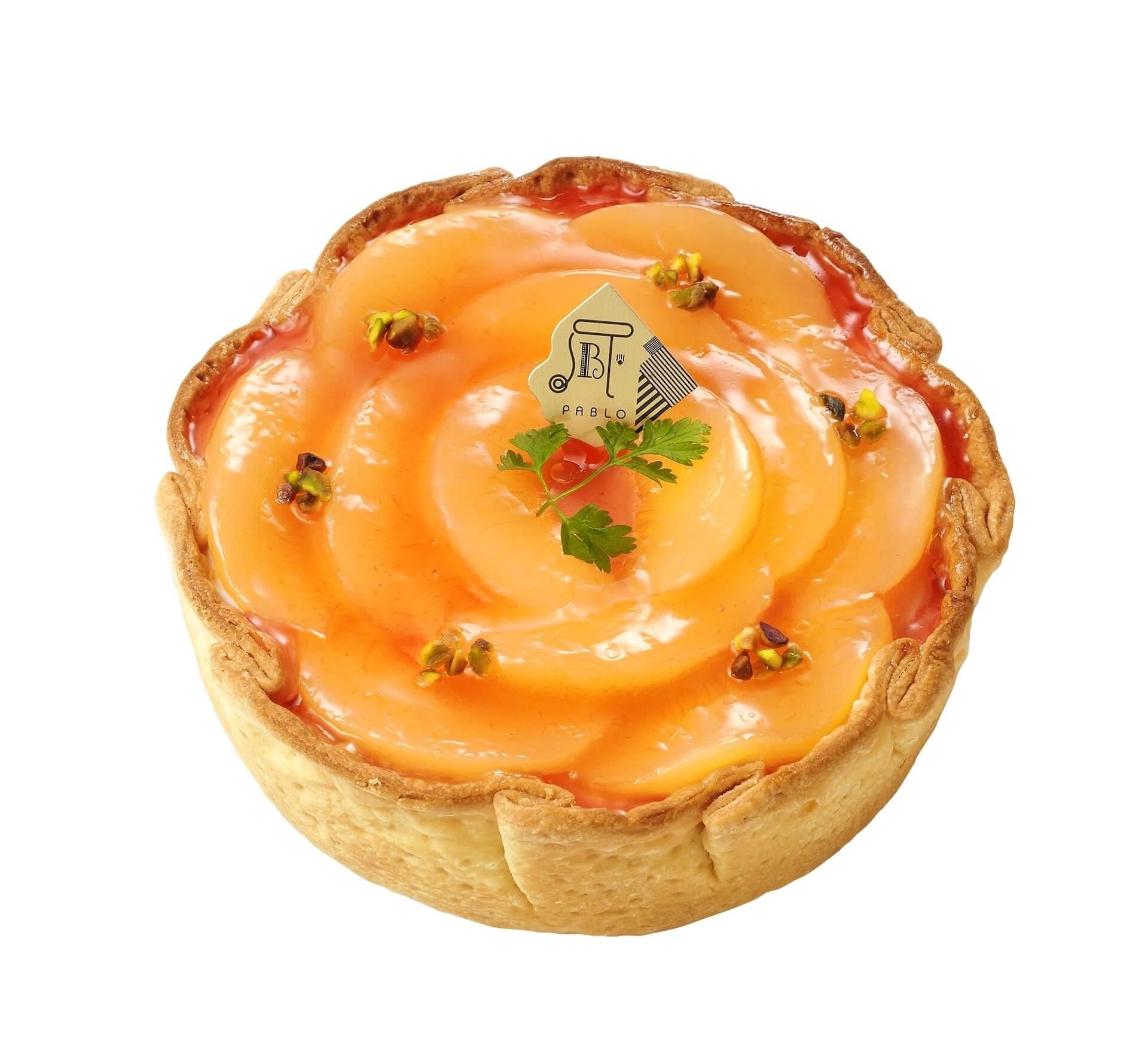 国産白桃が花びらのように敷き詰められたPABLOの新作『白桃とヨーグルトのチーズタルト』が1カ月限定で登場 gourmet_pablo_peachyogurt_03
