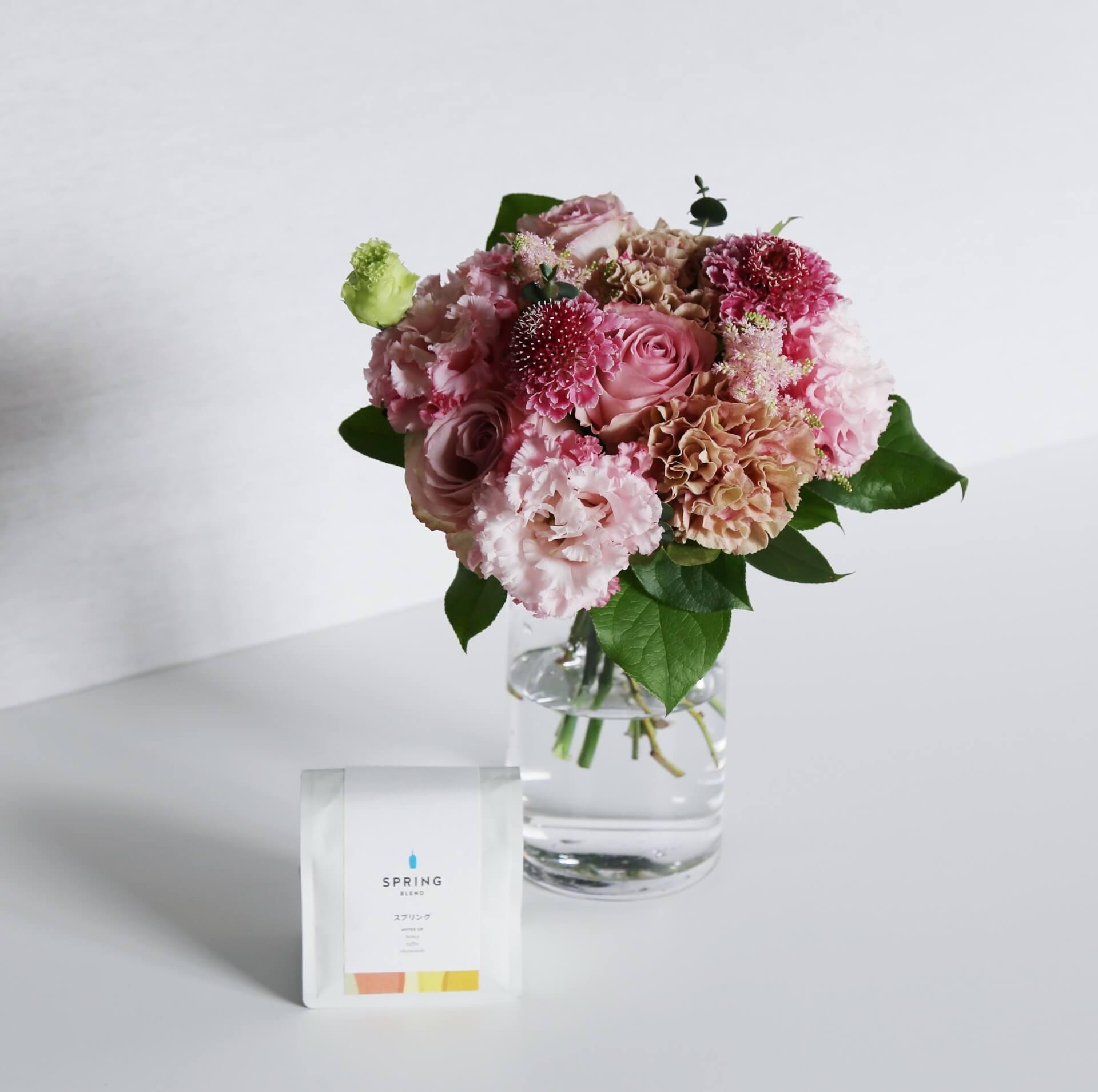 季節の花とコーヒーの母の日ギフトが登場!フラワーアレンジメント、ブーケと「スプリングブレンド」コーヒーがセットに lf200428_mothersdaygift_03