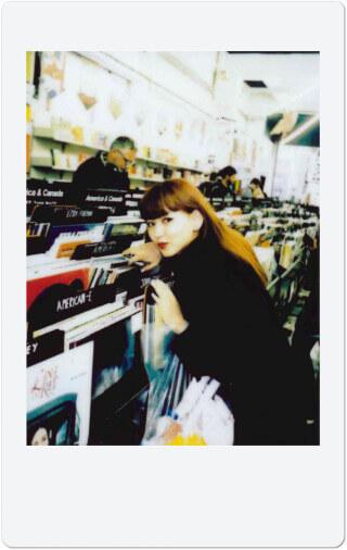 チェキでおウチDIY「額縁に入れる」/菅沼ゆり LifeFashion200520_cheki-suganumayuri_10