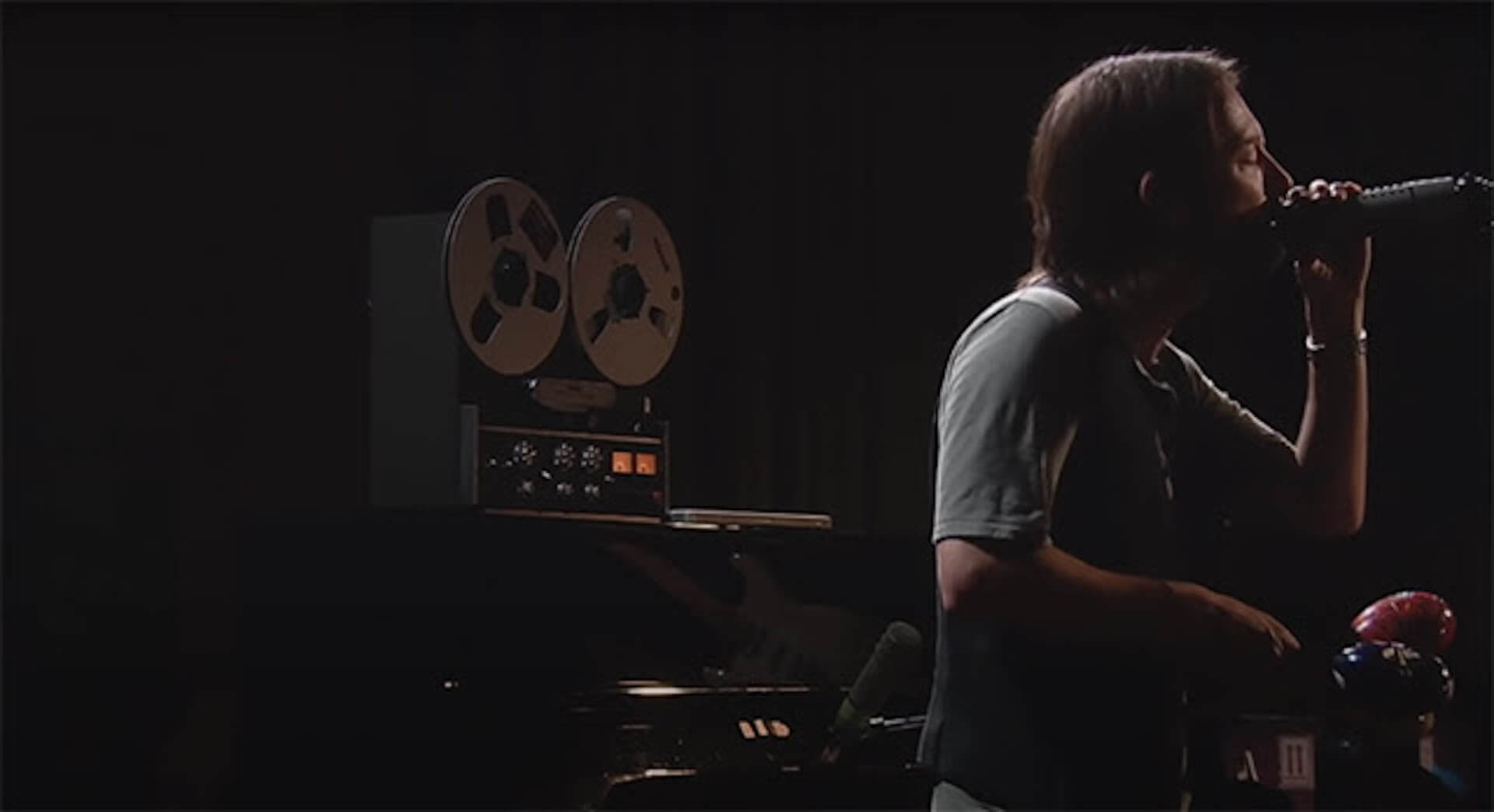 Radioheadの名盤『King of Limbs』のスタジオライブ映像が公開|ナイジェル・ゴドリッチがミックスを担当 music200522_radiohead_5