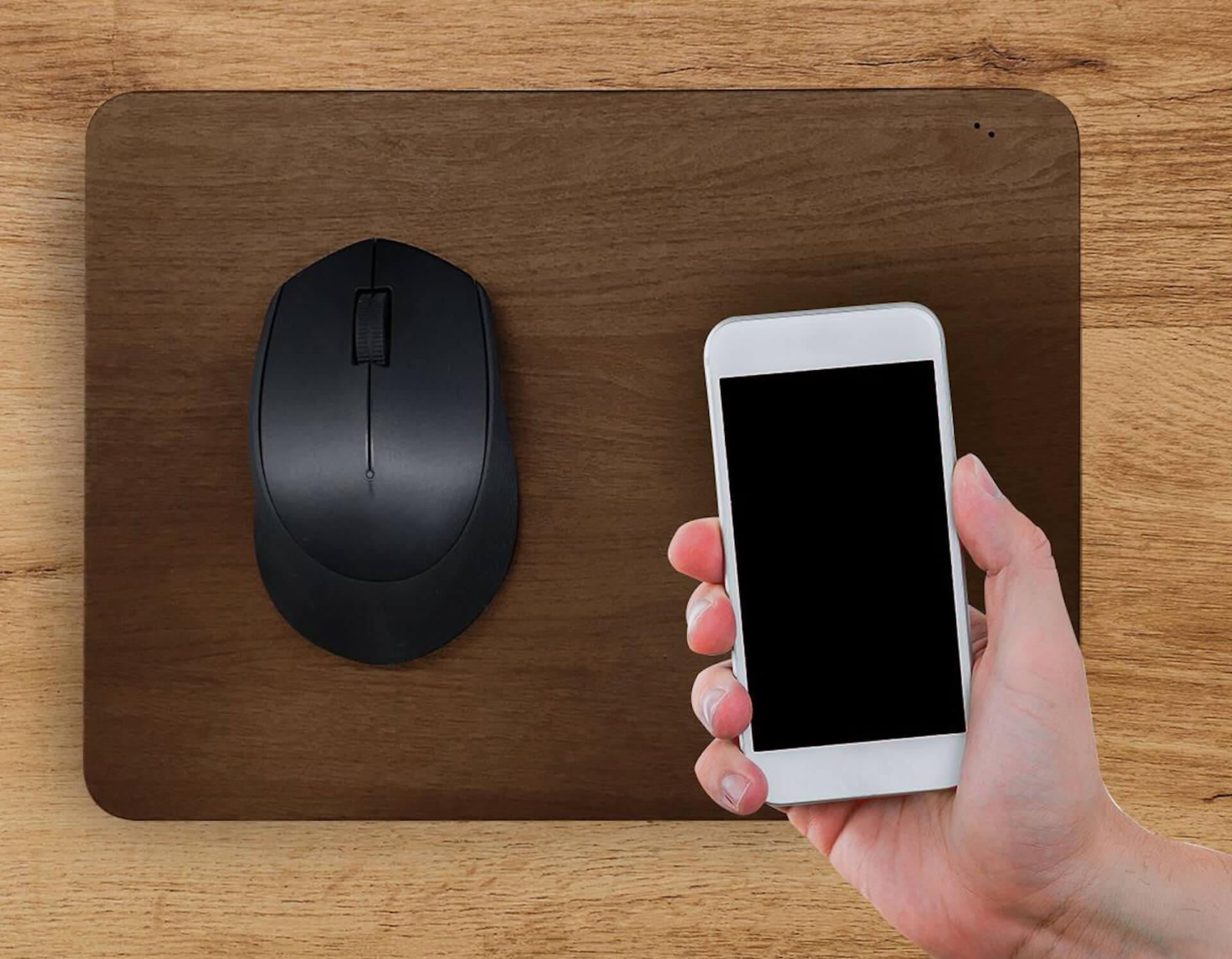 安くて使いやすいワイヤレス充電マウスパッドが登場!スマホを充電しながらマウスを操作 tech200522_charger_4