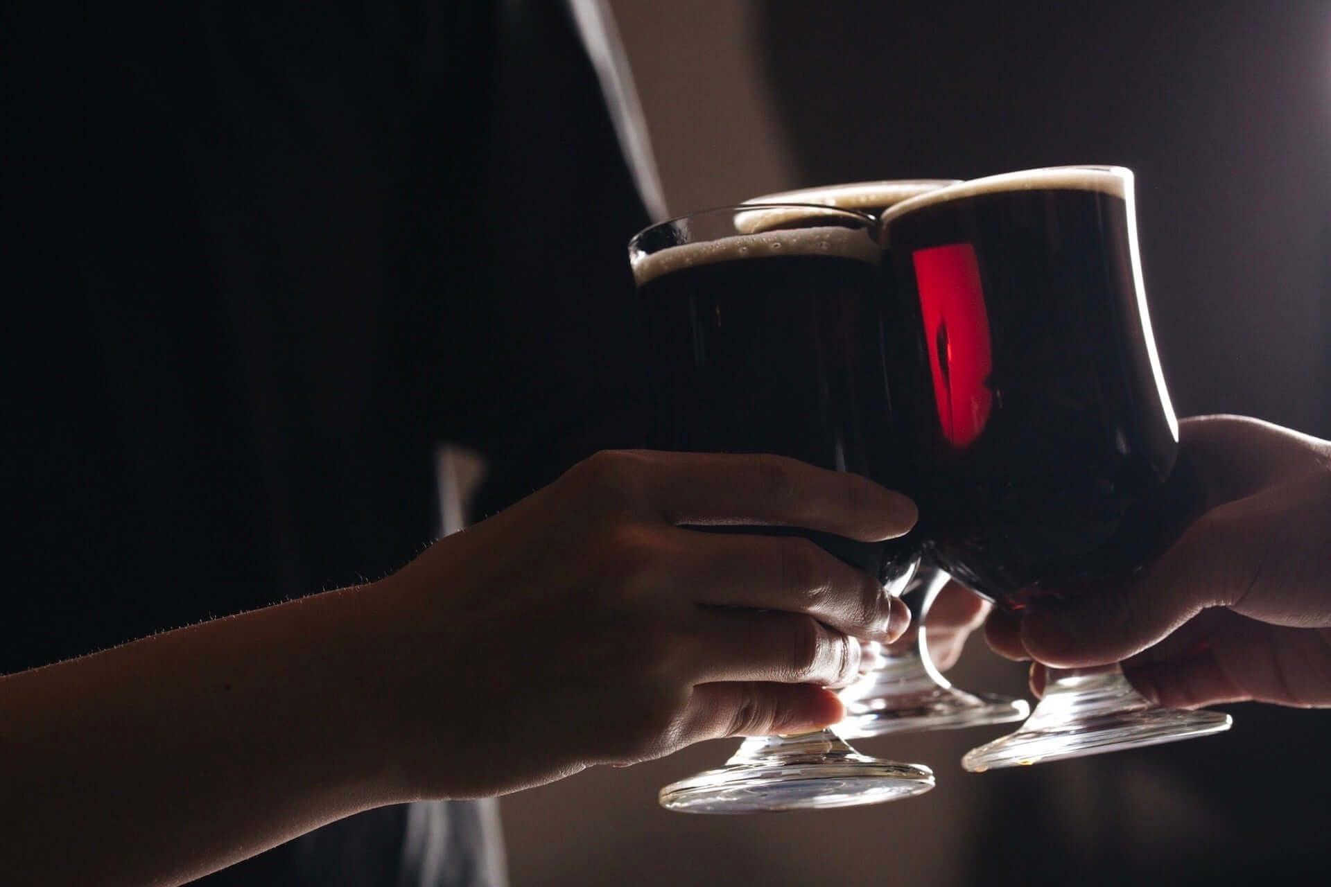 コオロギを原料に使用したクラフトビール『コオロギビール』がクラウドファンディングにて発売開始!オンライン飲み会にも gourmet200525_cricket_darkale_5-1920x1280