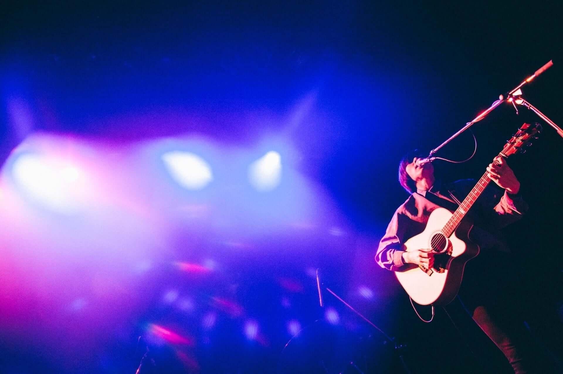 """君島大空が1st EP収録曲""""夜を抜けて""""のライブ映像を公開!渋谷WWWXで行われた夜会ツアー追加公演の映像第2弾 music200605_kimishimaoozora_01-1920x1277"""