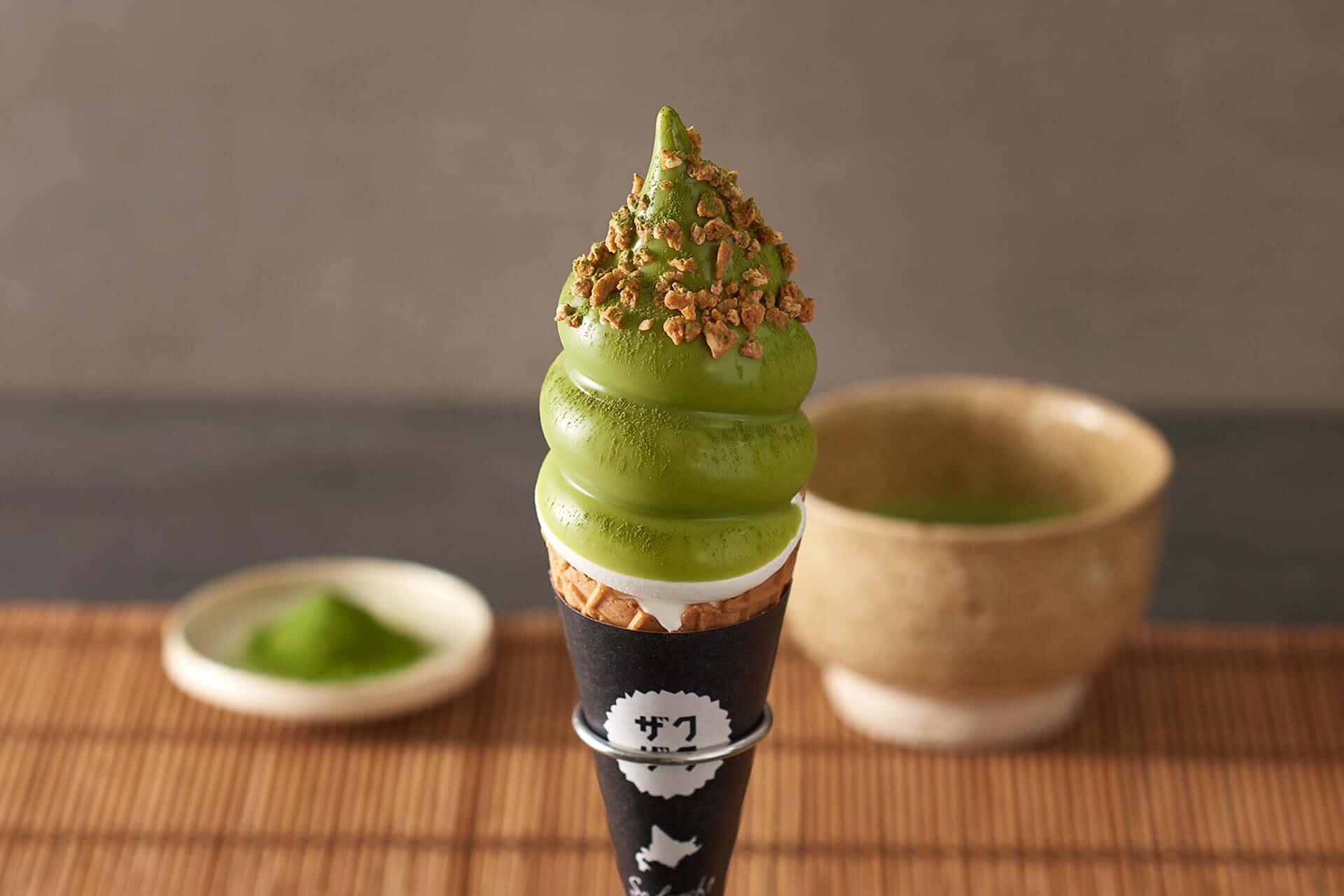 清涼感あふれる抹茶フレーバーのザクザクシュー&濃厚ソフトクリームがクロッカンシュー ザクザクに期間限定で登場! gourmet200617_zakuzaku_5-1920x1280