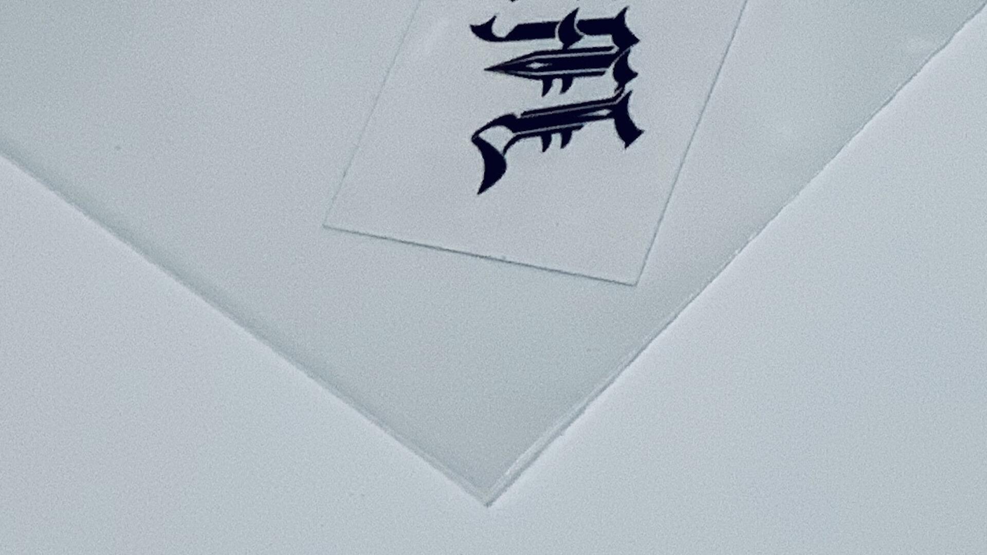 謎のオンラインショップ『TAKAIWORLD』より、高岩遼が27歳までに刻んだタトゥーのスクラップブックが発売 art_culture200618-takaiworld-2