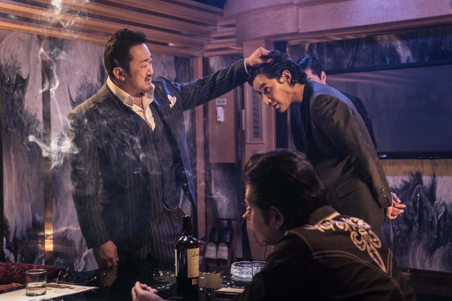隣の席にマ・ドンソク現る!異例の大ヒットを遂げた韓国映画『悪人伝』のソーシャルディスタンスパネルが劇場に設置決定 film200619_akuninden_8-1920x1280