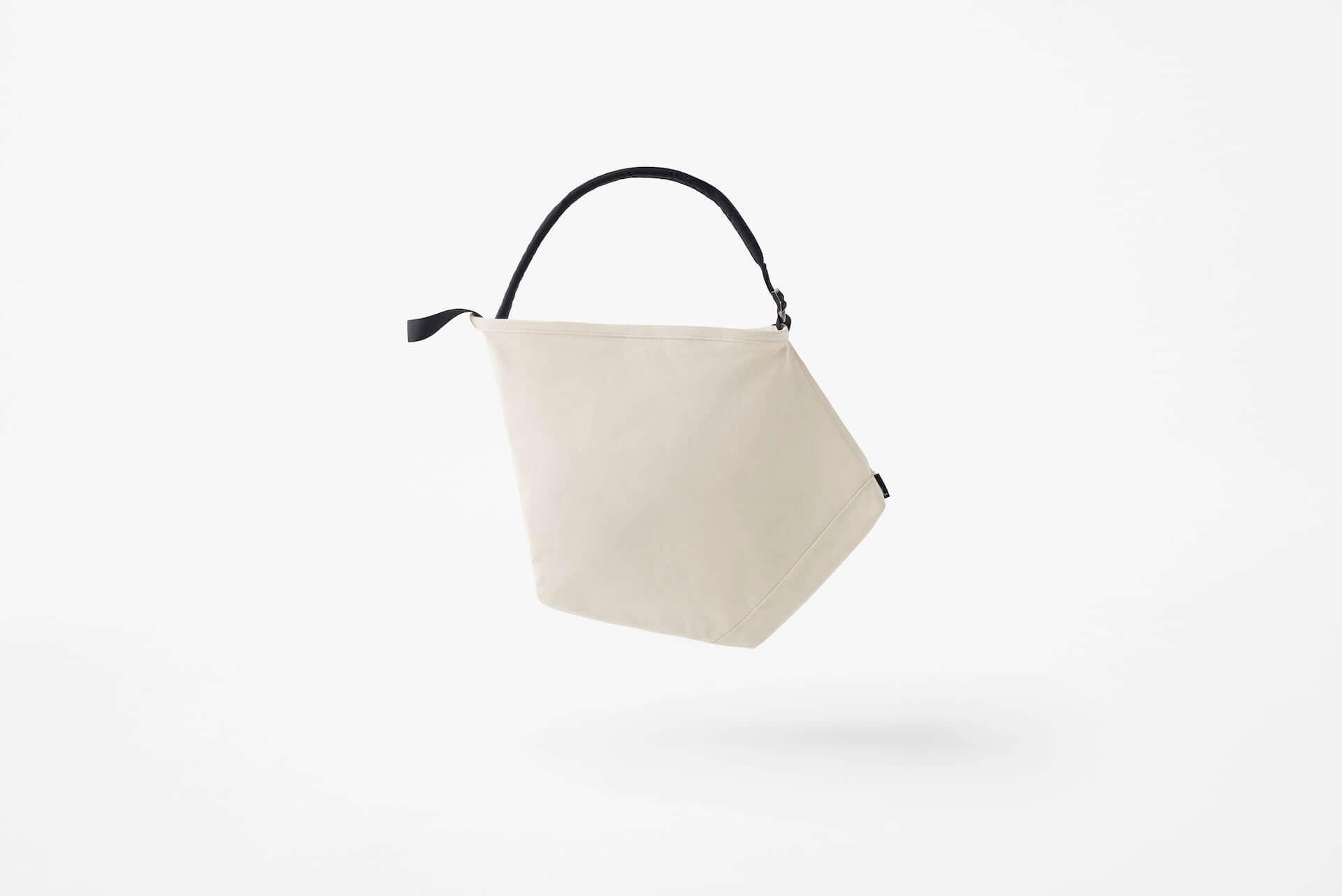 リュックとトートの利便性を兼ね備えたバッグが登場!ROOTOTEとnendoのコラボアイテム「ruck-tote」が発売 41985906b8e7e04706886c084503d47e-1920x1282