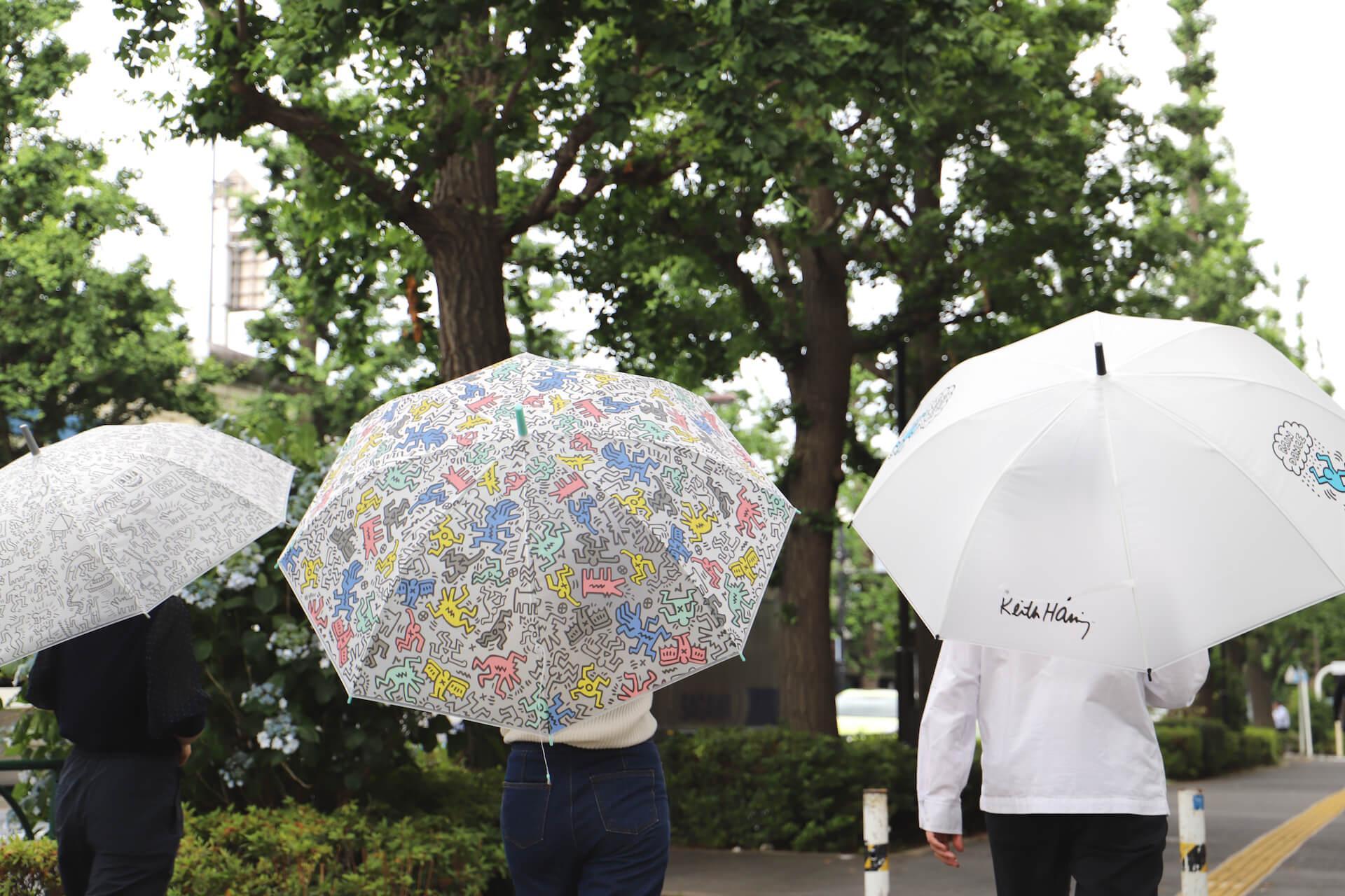 キース・ヘリングのアートデザインのビニール傘がセブンネットショッピングで先行予約開始!カラフル、モノトーンなど3種 lf200625_keith_haring_umbrella_05