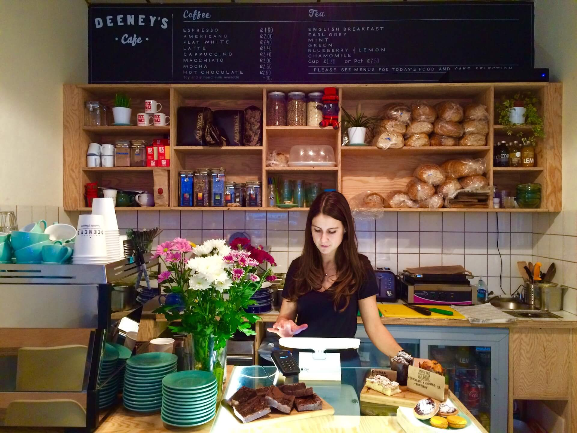 ロンドン発「DEENEY'S」の日本初路面店がオープン!スコットランドの伝統料理ハギスを使用したトースティを販売 gourmet200625_deenys_03
