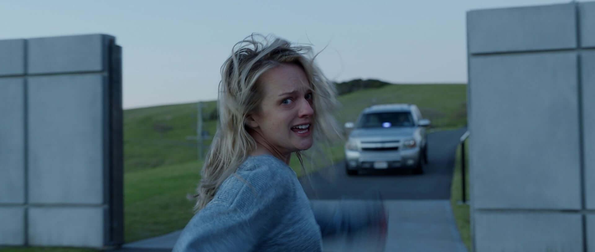 エリザベス・モス演じるセシリアが狂気に苛まされていく…『透明人間』本編映像&リー・ワネル監督のコメントが公開 film200708_toumei-ningen_3-1920x812