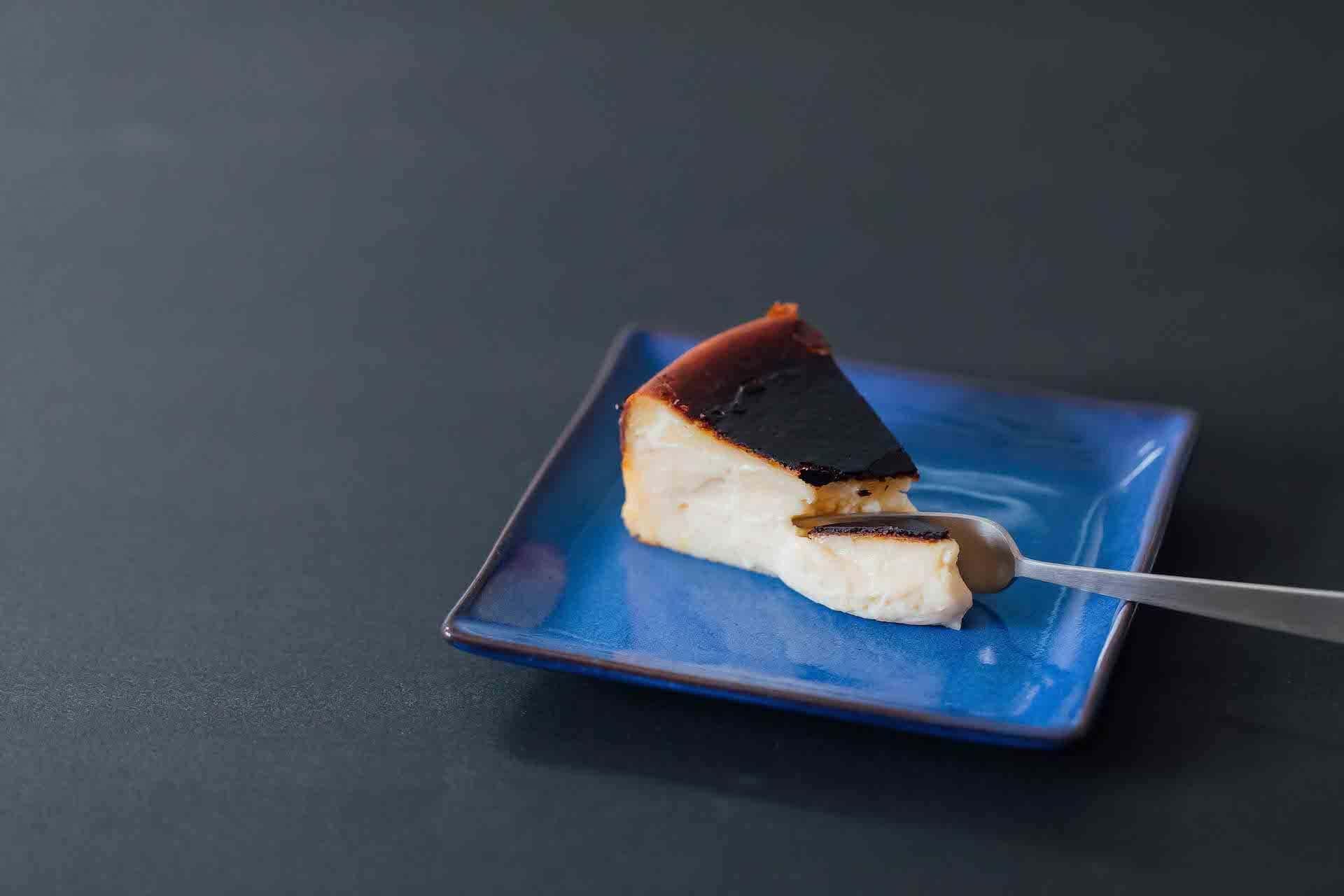 プレゼントにもおすすめ!グルテンフリーの絶品バスクチーズケーキが大阪発「June CHEESECAKE」より数量限定でオンライン販売開始 gourmet200715_june-cake_5-1920x1280