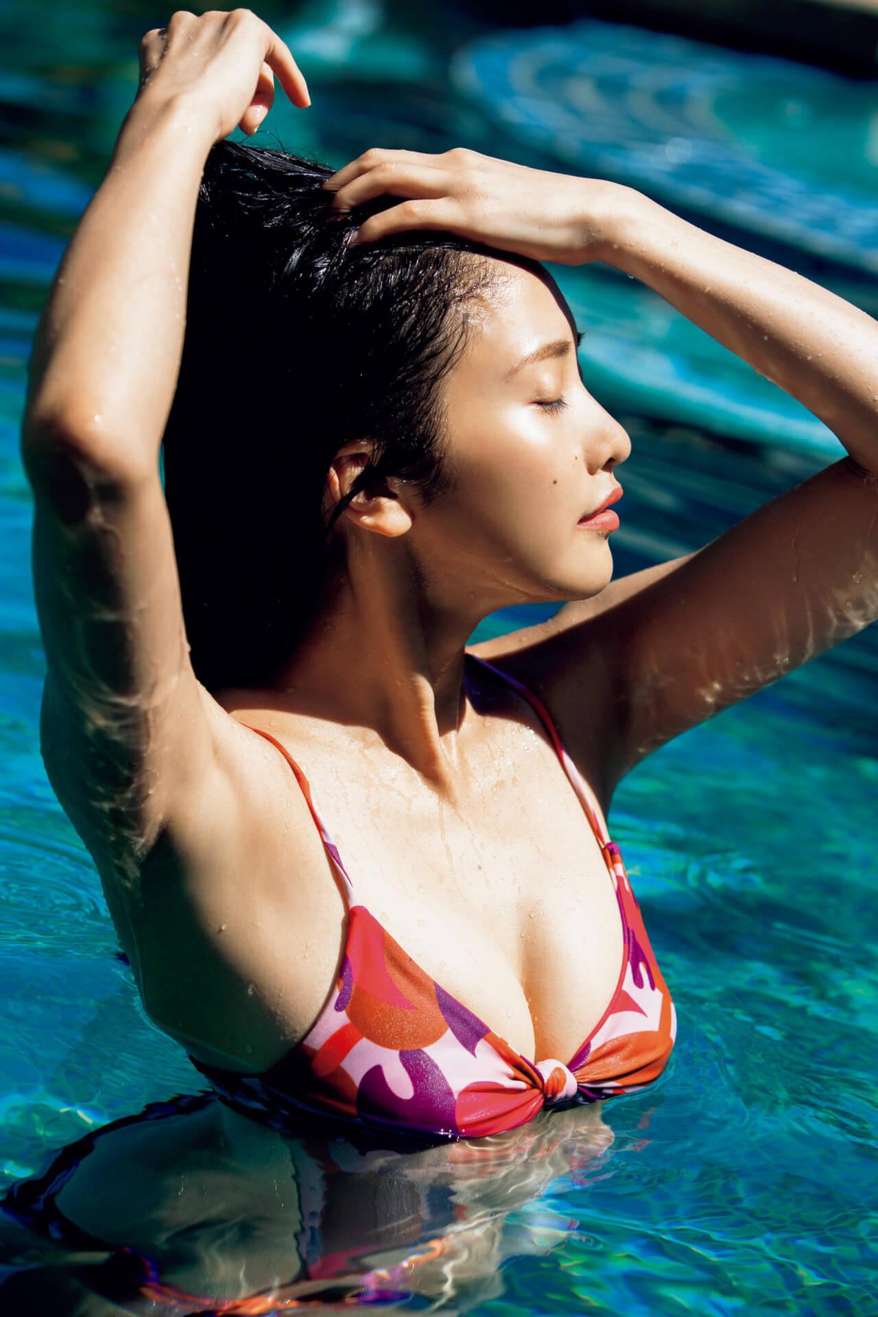 佐野ひなこの健康美ボディが詰まった写真集『Hina』のデジタル版がリリース!32ページ分のアザーカットが収録 art200729_sanohinako_1