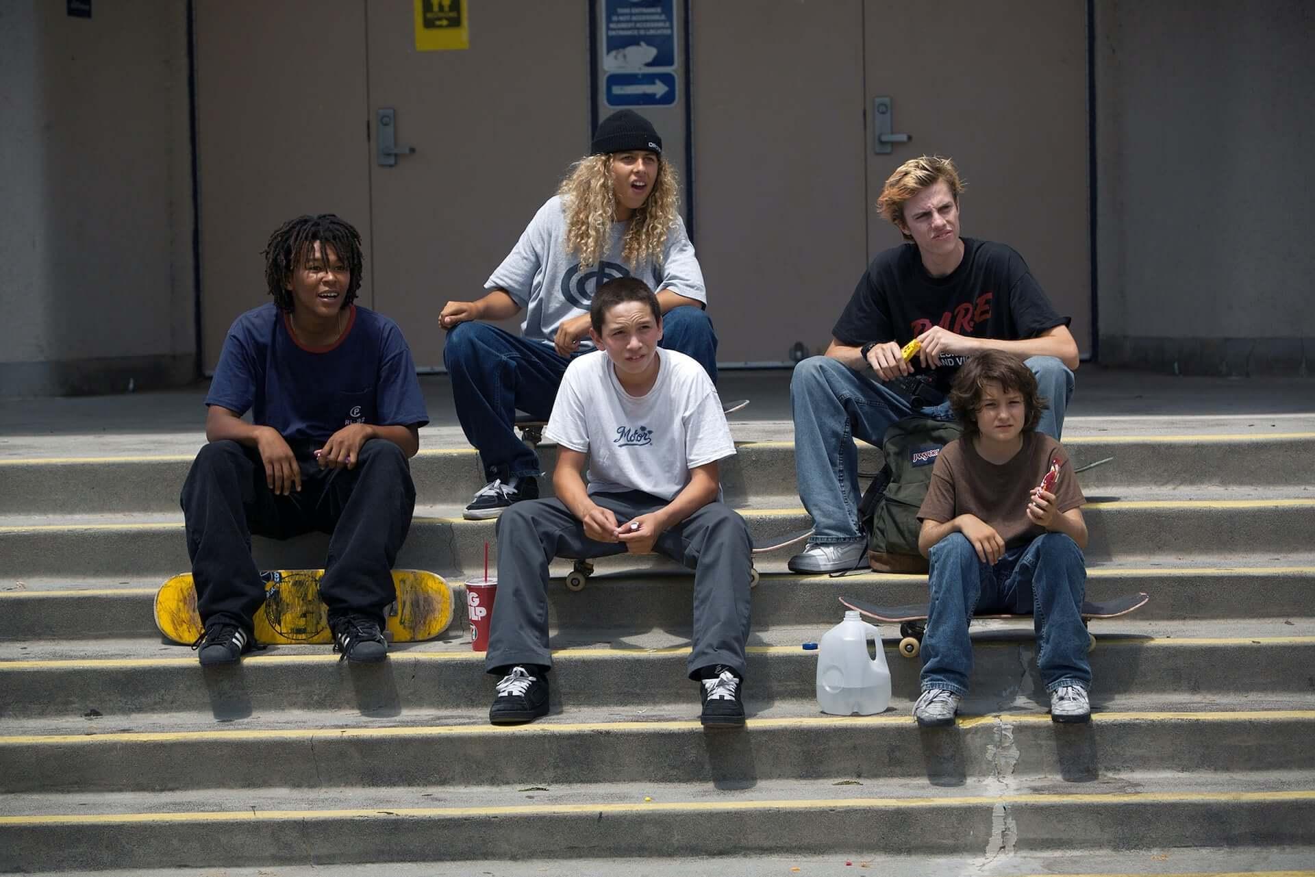 ジョナ・ヒルがA24とタッグを組んだ初監督作!90年代を舞台に描いた青春映画『mid90s ミッドナインティーズ』本予告映像が解禁 film200730_mid90s_5-1920x1281