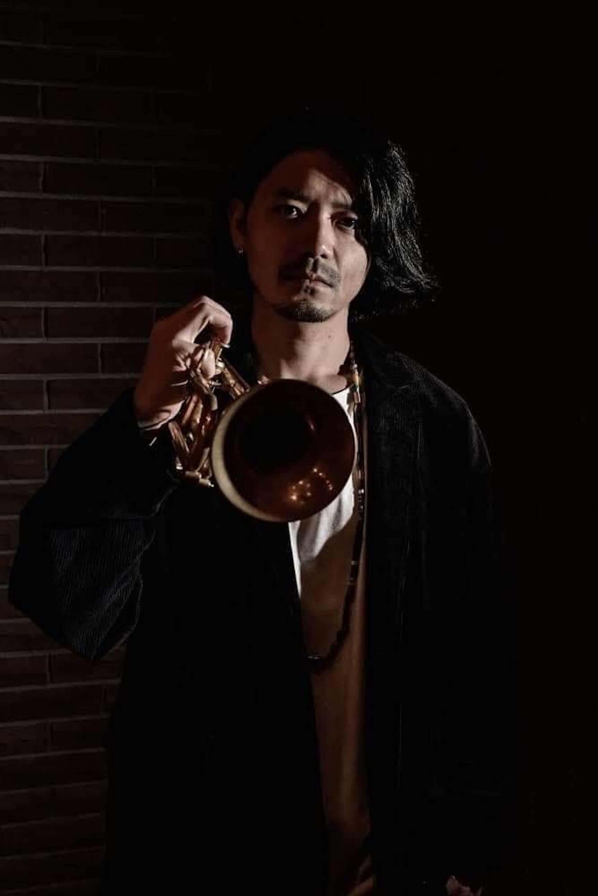 Yasei Collectiveのリーダー、松下マサナオが新たな動画企画「HIDEOUT SESSIONS」を始動!初回ゲストは類家心平 music200807_masanao-matsushita_3-1920x2874