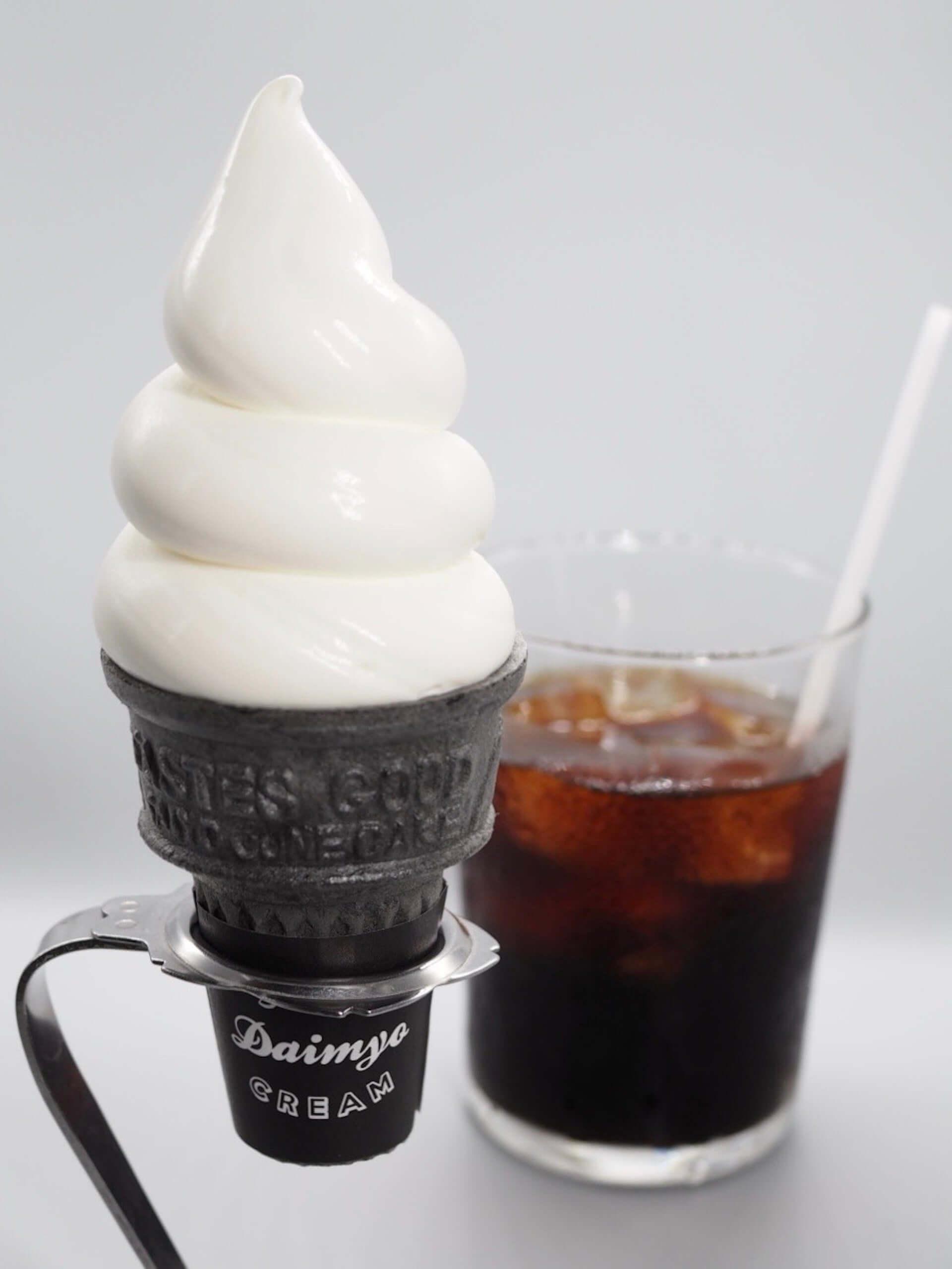 「MIYASHITA CAFE」オープン記念第1弾!ダイミョウソフトクリームに夏季限定フレーバー『トロピカルマンゴー』が登場 gourmet2000820_tropicalmango-miyashitacafe_3-1920x2559