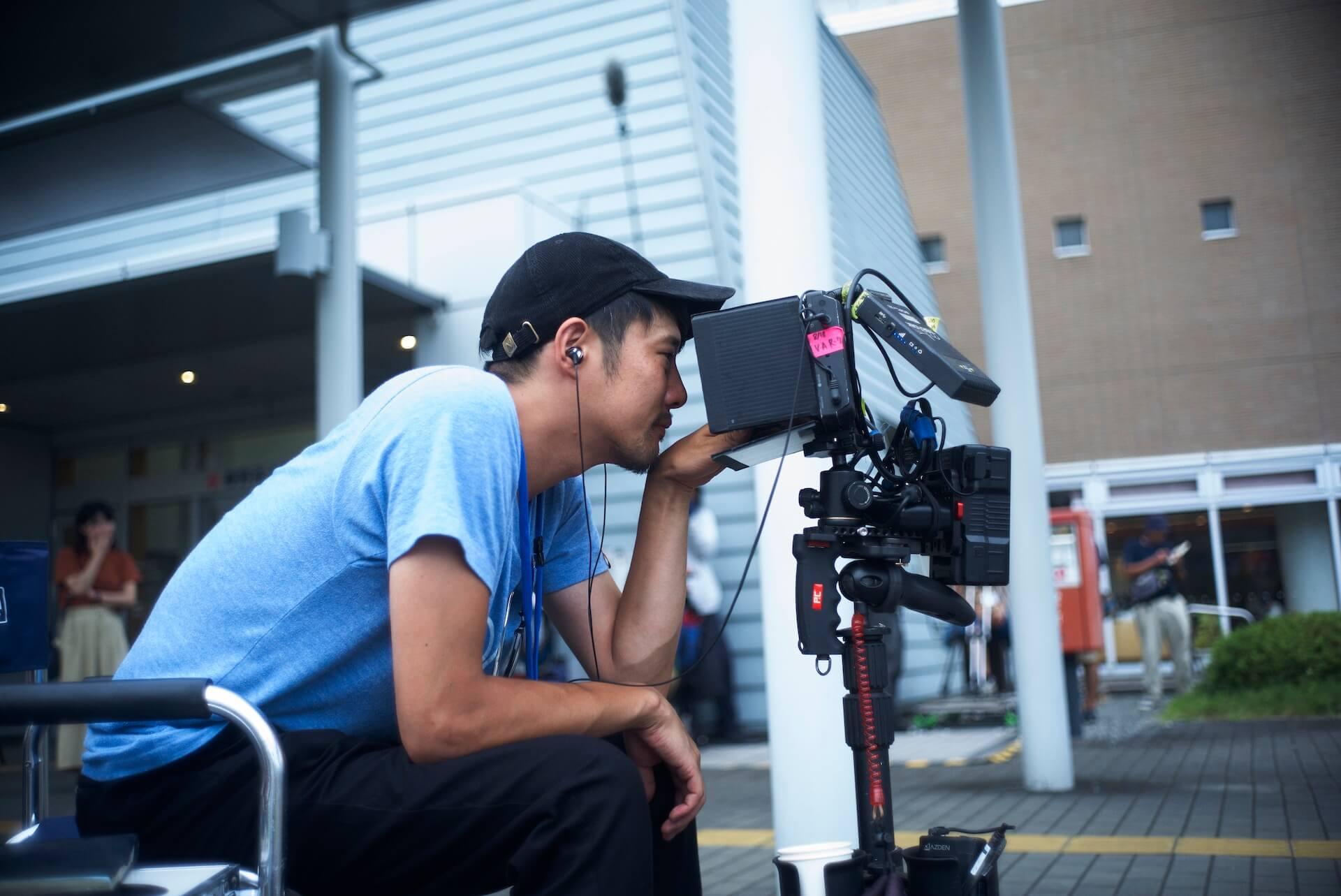 藤井道人監督が最新作『宇宙でいちばんあかるい屋根』に込めた願い「周りの人を理解できる世の中に」 interview200821_fujiimichihito_5