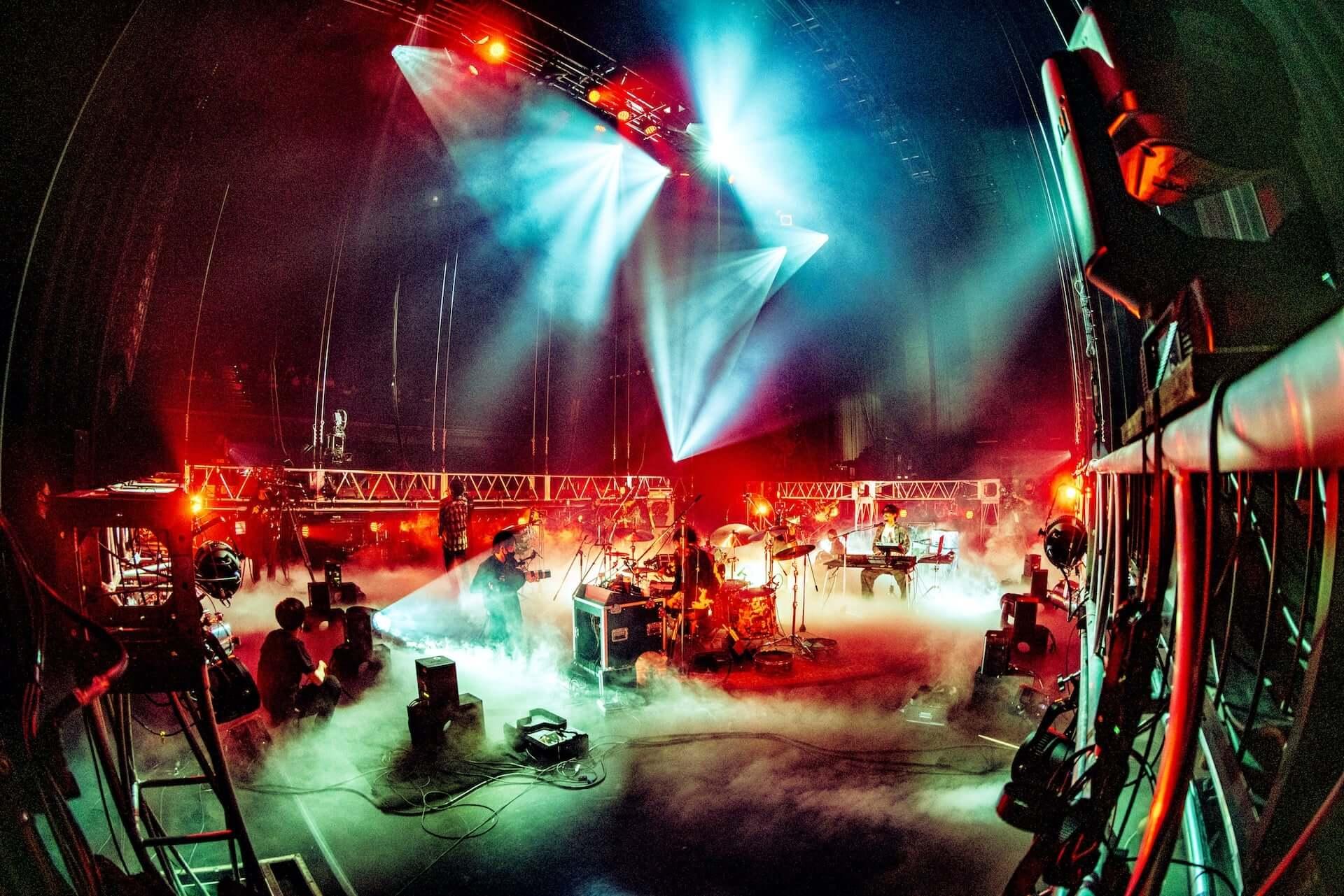 King Gnuがバンド初の配信ライブ<King Gnu Streaming Live>を実施!ライブレポートが到着 music200831_kinggnu-live_1-1920x1281