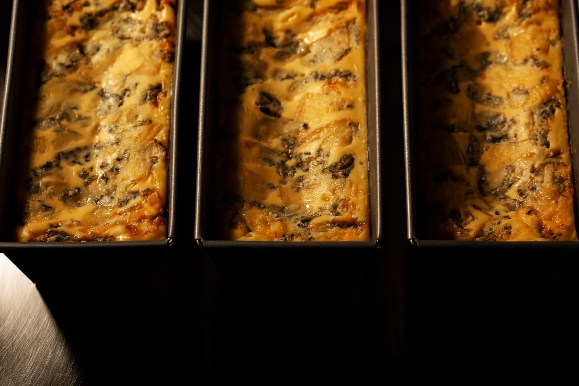 連日30分で完売の生ブルーチーズケーキ青が期間限定でルミネエスト新宿にオープン!芳香な香りのとろける生食感 gourmet200804_bluecheesecake_03