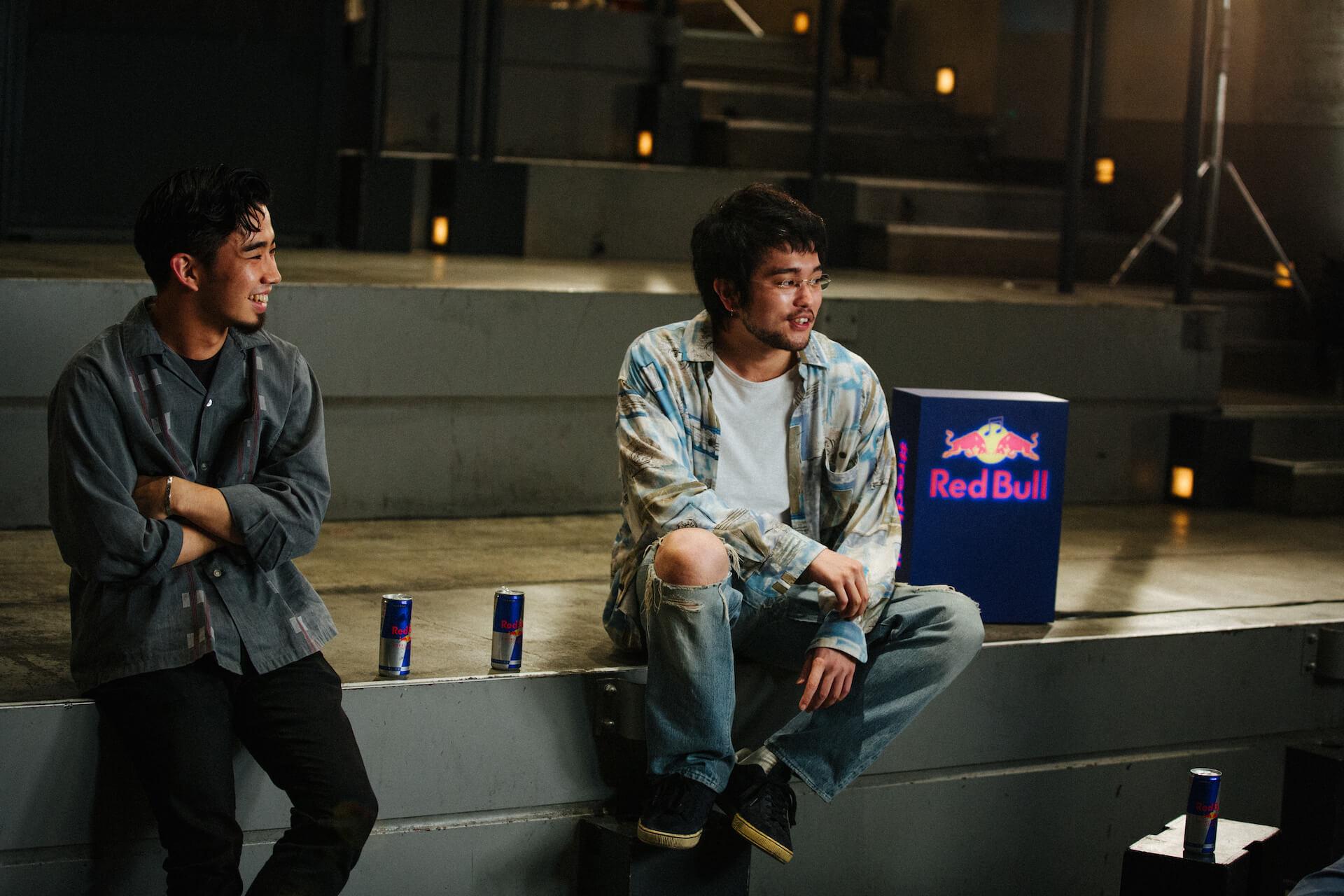 "King Gnuが日本アーティスト史上初めてRed Bullとパートナーシップを締結!""Go Louder""プロジェクトでインタビュー公開&コラボグッズプレゼントも music200908_kinggnu_redbull_17"