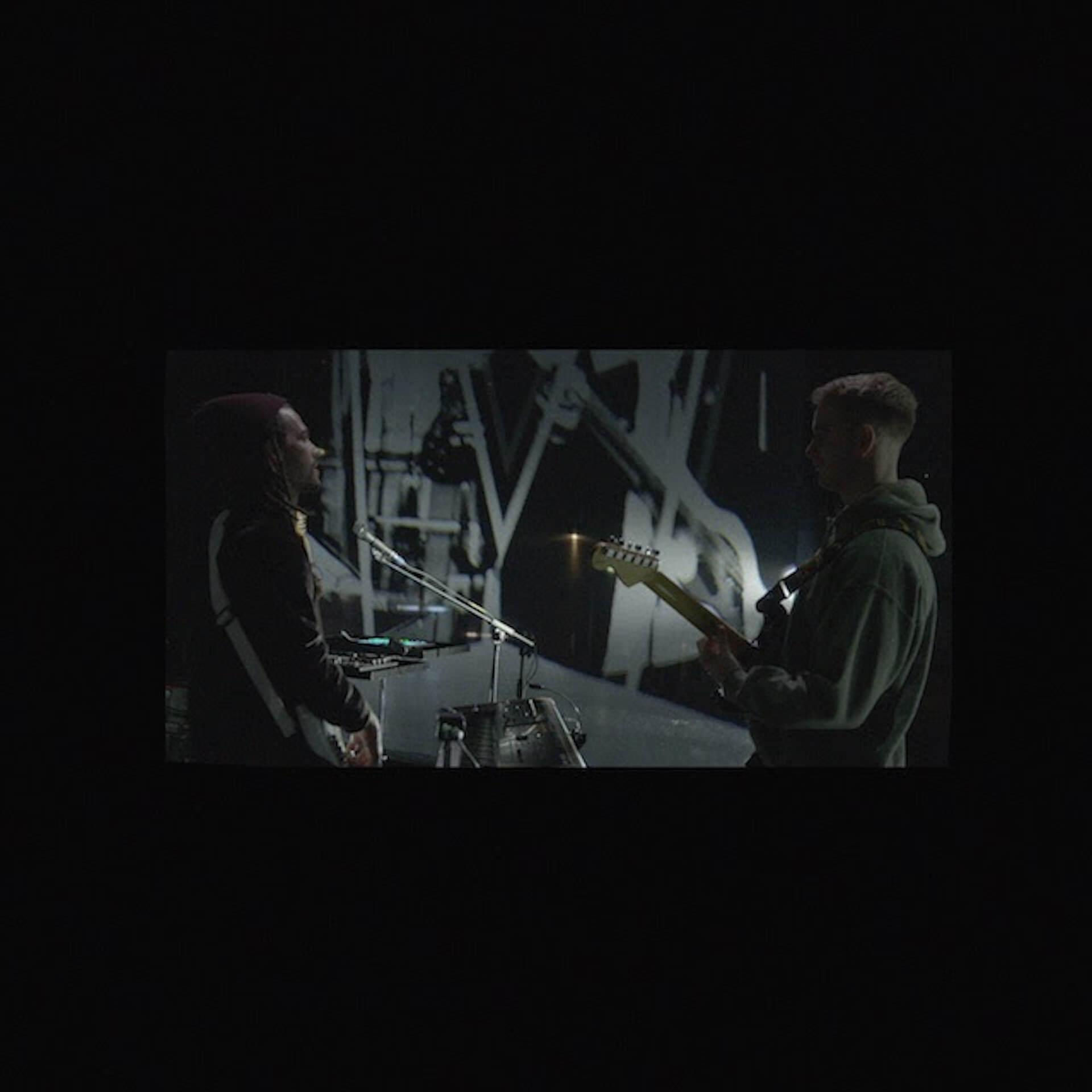 """FKJとTom Mischのコラボ楽曲""""Losing My Way""""がデジタルにて公式リリース!2人によるライブ動画も公開 music20200817-fkjtommisch"""