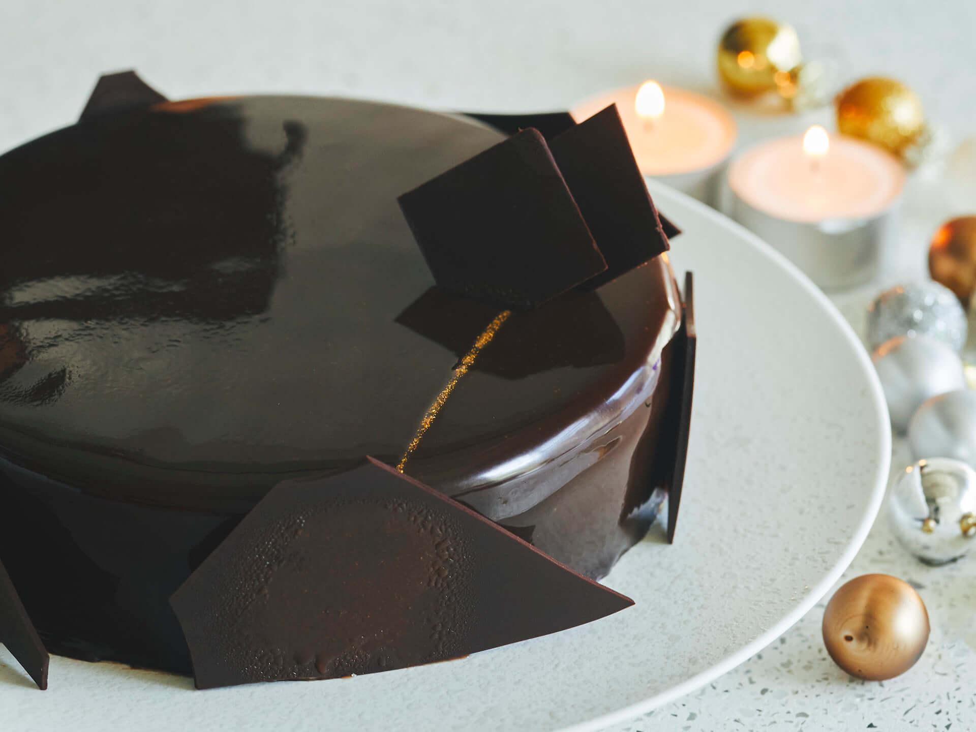 今年のクリスマスはこれで決まり!MAISON CACAOから「チョコレートよりチョコレートを感じるケーキ」が登場 gourmet200924_maisoncacao_1-1920x1440