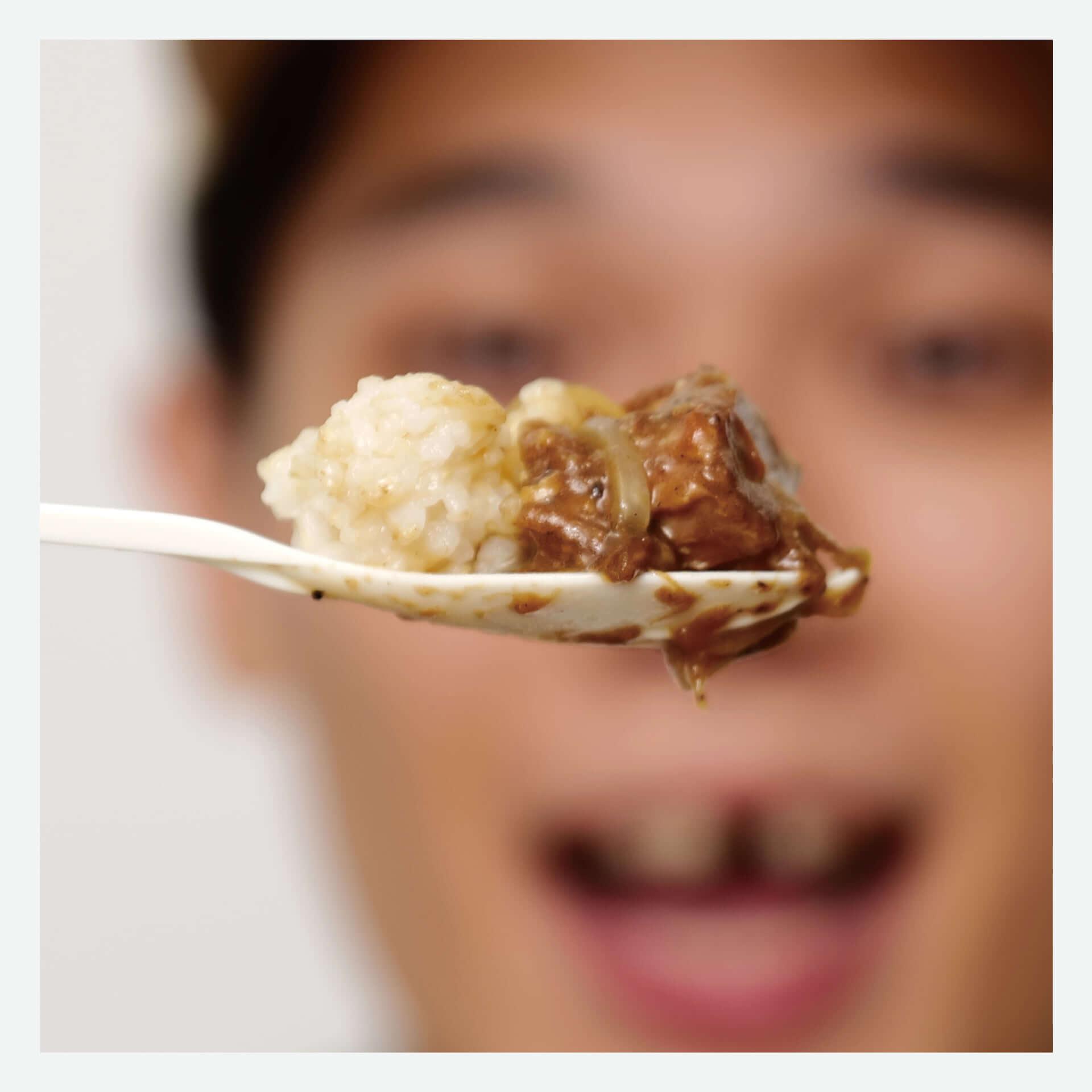 松㟢翔平のオリジナルレシピによる『小黑滷肉飯』が渋谷PELLS coffee&barにて販売開始!「味覚で台湾を感じていただけたら」 gourmet201005_matuzakishohei-luroufan_6-1920x1920