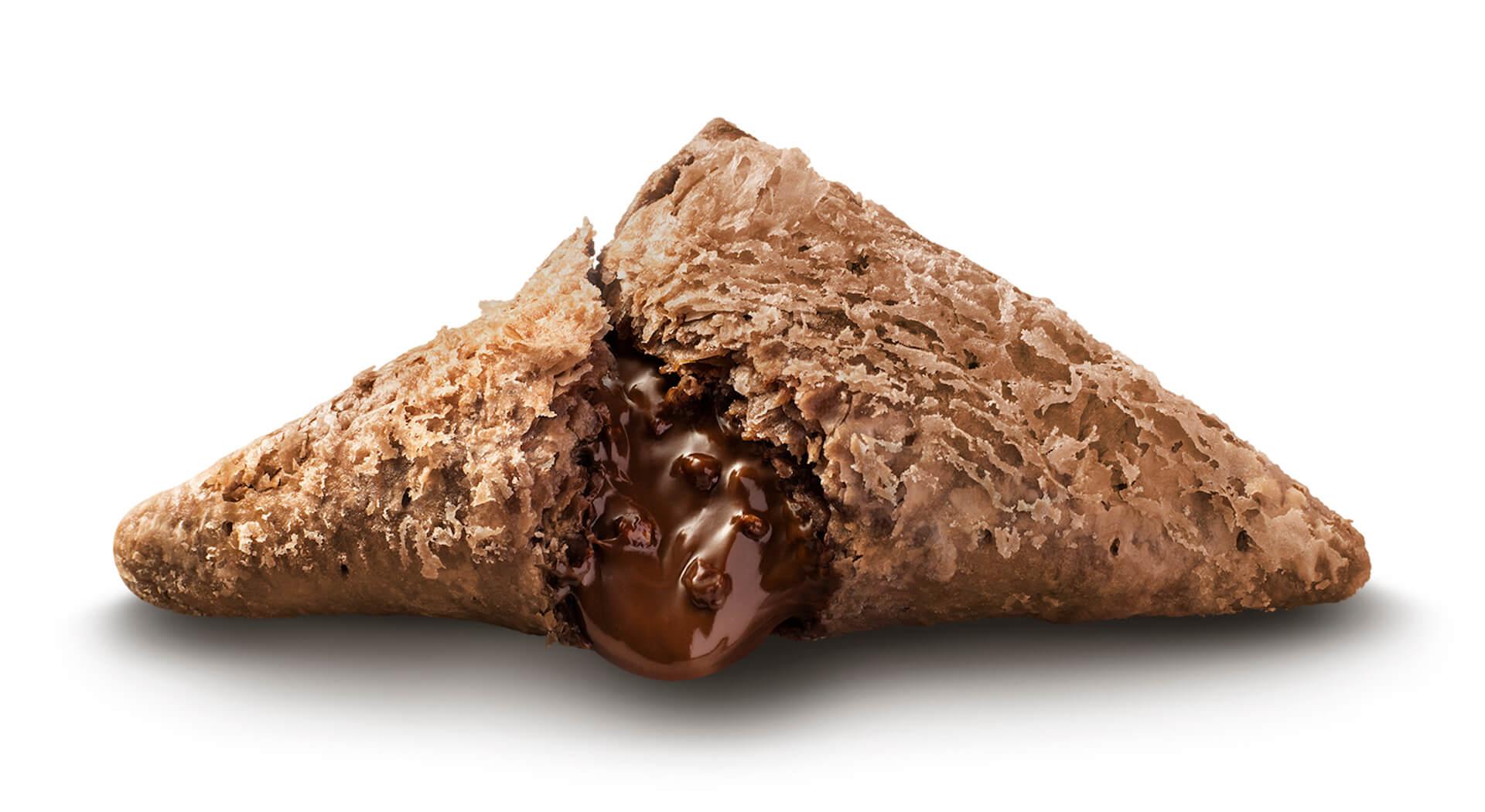 マクドナルドの秋冬の定番「三角チョコパイ」が期間限定で登場!今年は「三角チョコパイ 黒」と「三角チョコパイ 白」の2種類 gourmet201007_mcdonald_3