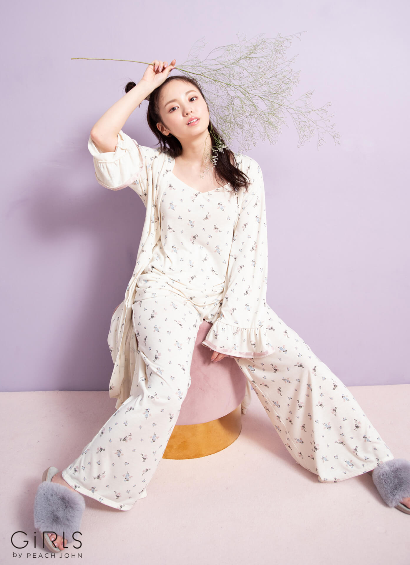 ふんわり美バストで人気の今泉佑唯がGiRLS by PEACH JOHNの新コレクションを着用!ホリデイシーズンを感じさせる新ビジュアルが公開 art201008_imaizumiyui_9