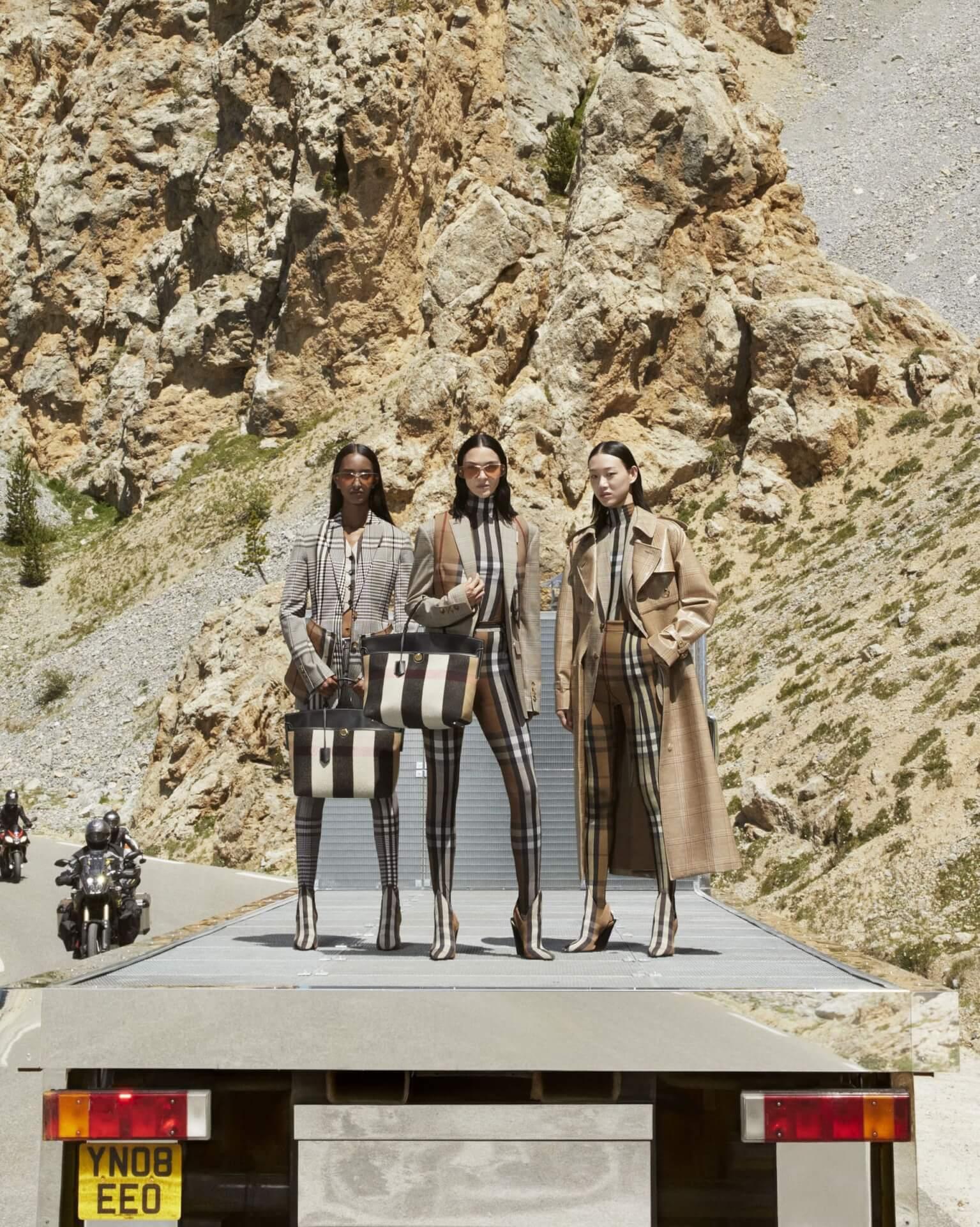 バーバリー2020年秋冬コレクションのキャンペーンが公開!マリアカルラ・ボスコーノやモナ・トゥガードらを起用 fashion2020924-Burberry3