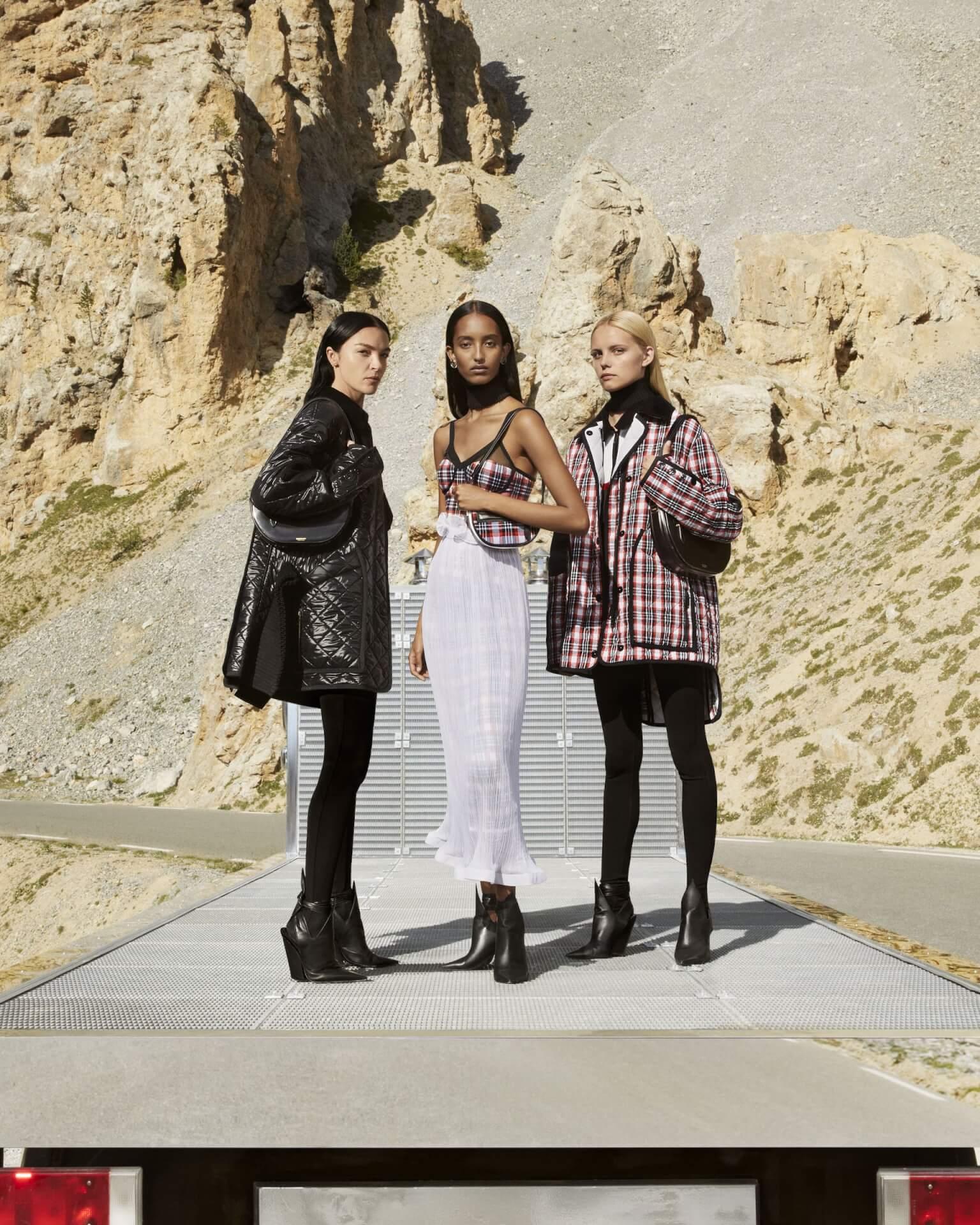 バーバリー2020年秋冬コレクションのキャンペーンが公開!マリアカルラ・ボスコーノやモナ・トゥガードらを起用 fashion2020924-Burberry7